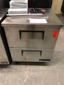 True 27 inch work top refrigerator with drawers