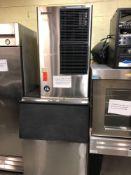 Hoshizaki 600 pound ice machine with bin