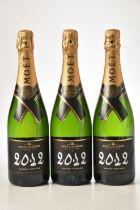 Champagne Moet et Chandon Brut Vintage 2012 3 bts