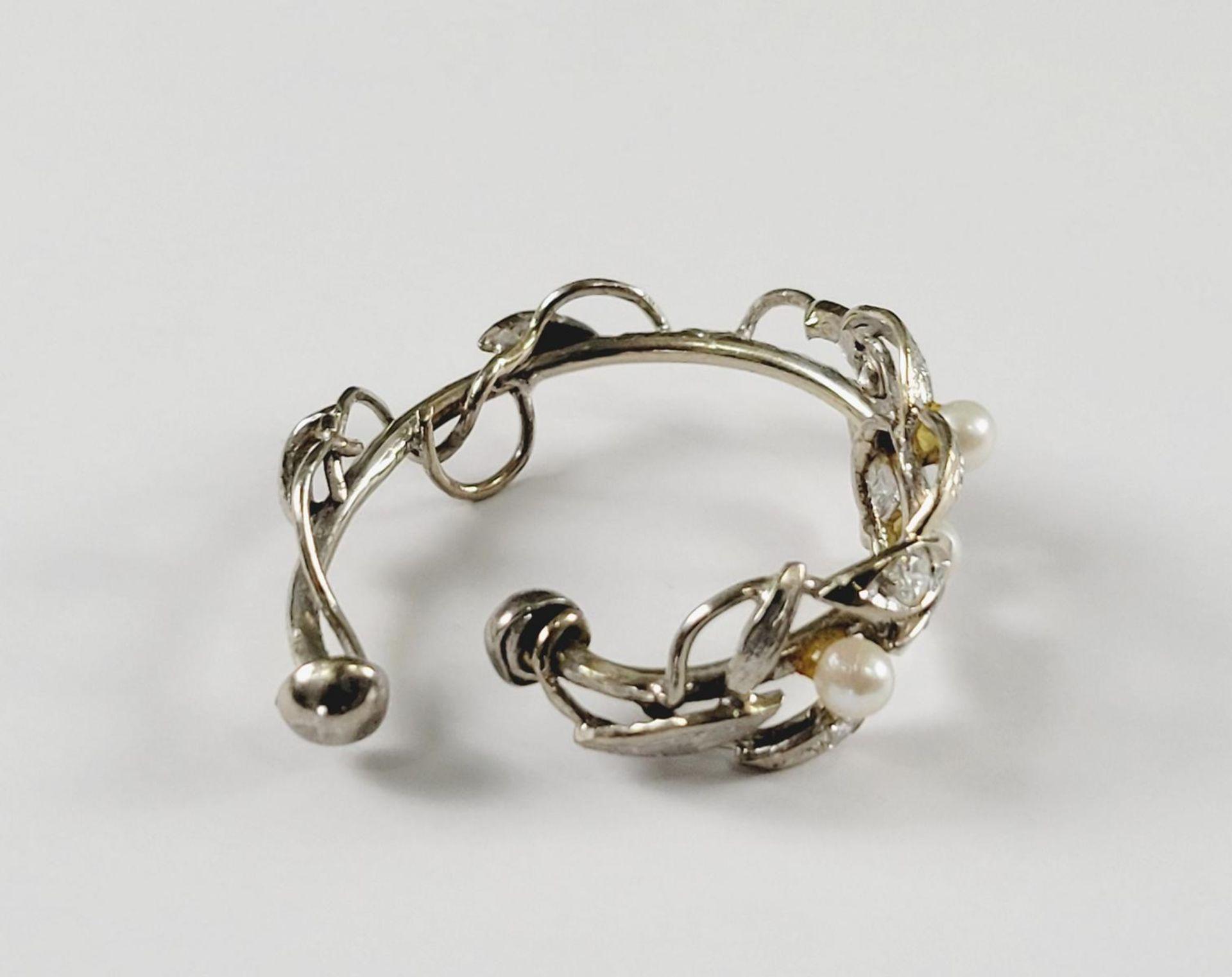 Tuchring mit Perlen und Diamanten, 18 Karat Weißgold - Bild 2 aus 2