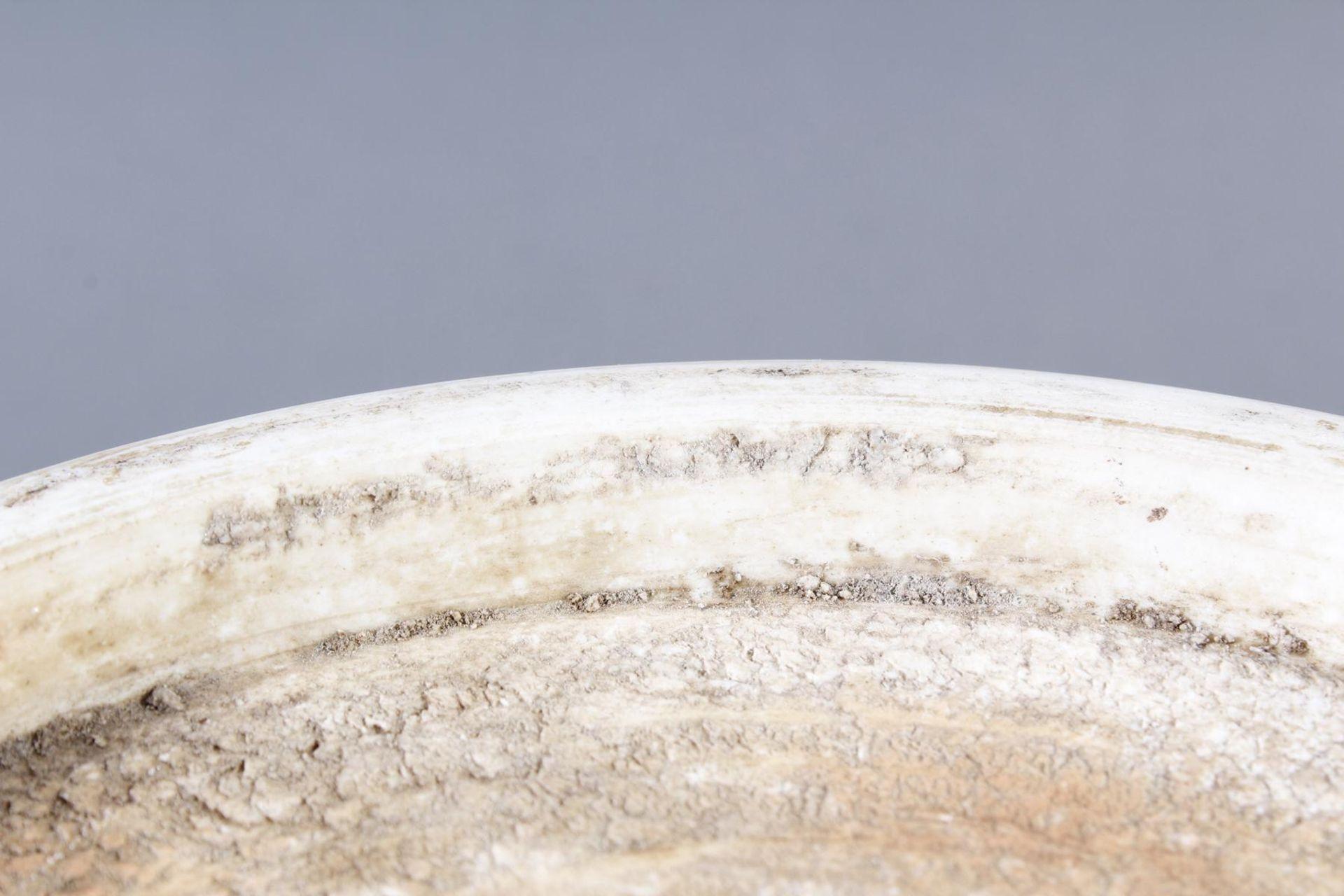 Große Porzellanschüssel, China, Hsüan-tê Marke - Bild 11 aus 17