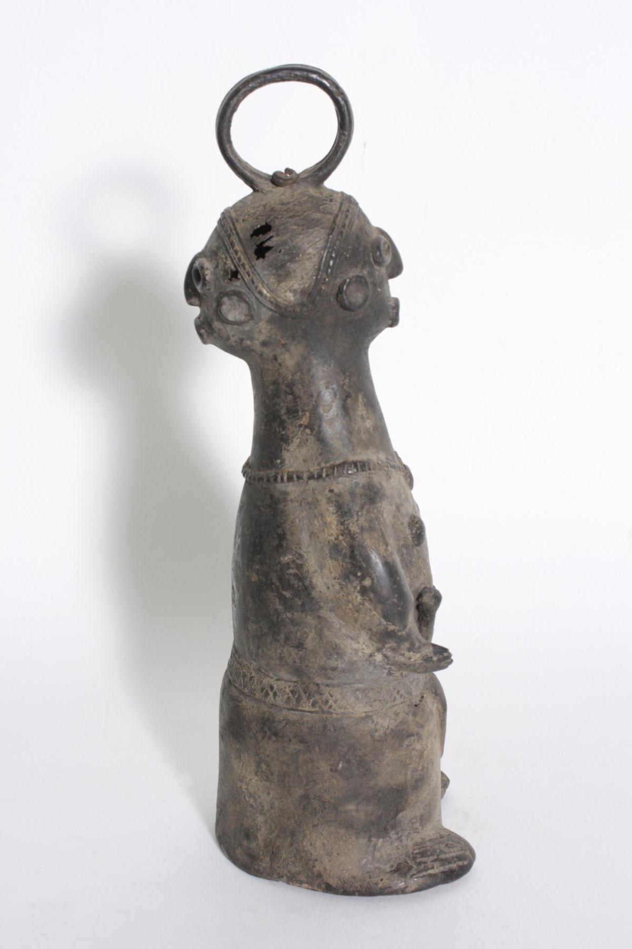 Bronze-Doppelkopf-Glocke, Benin, Nigeria, 1. Hälfte 20. Jh. - Bild 2 aus 5