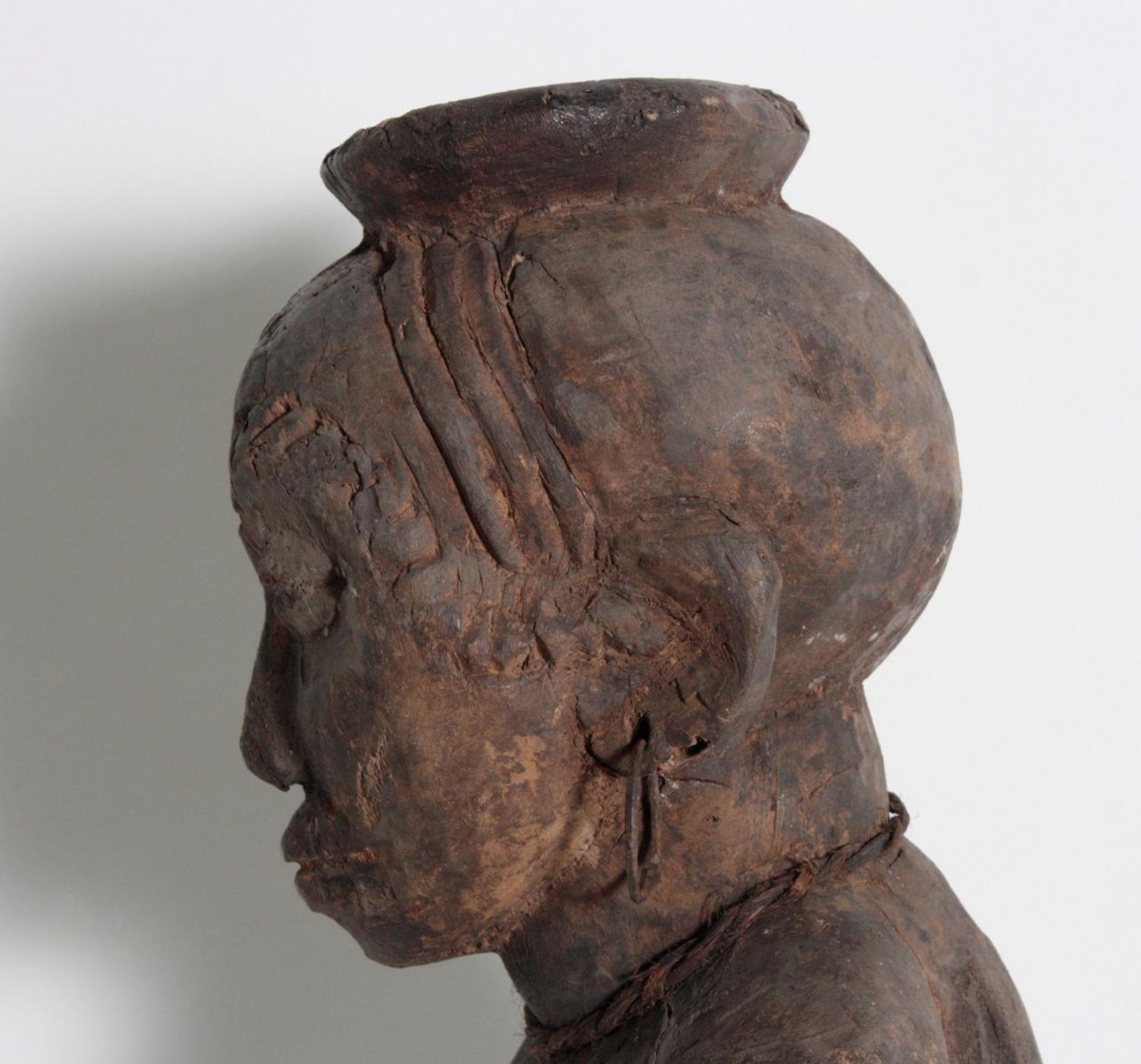 Ältere Ahnen-Figur, Tabwa, D. R. Kongo - Bild 6 aus 14
