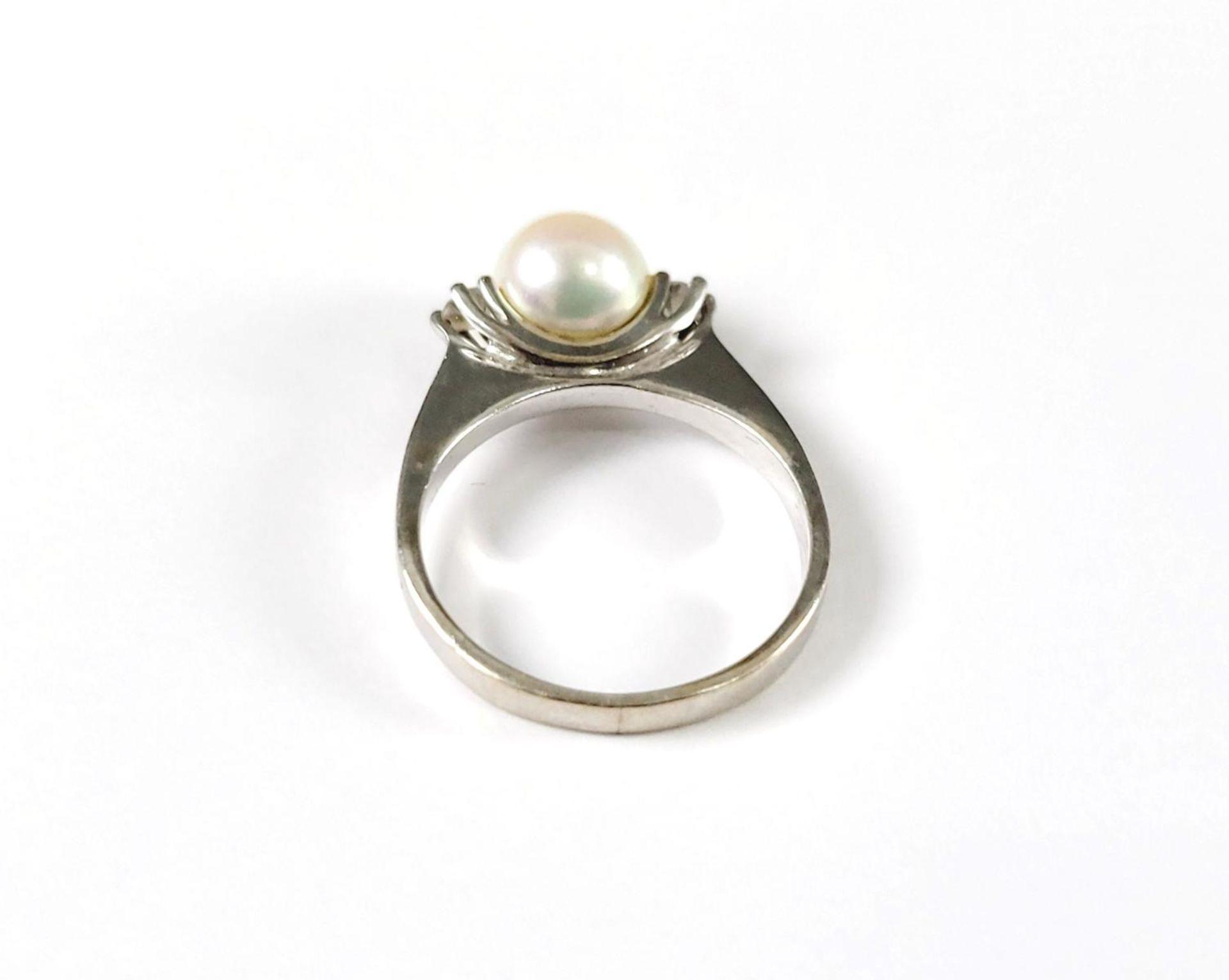 Ring mit Perle und Diamanten, 14 Karat Weißgold - Bild 3 aus 3