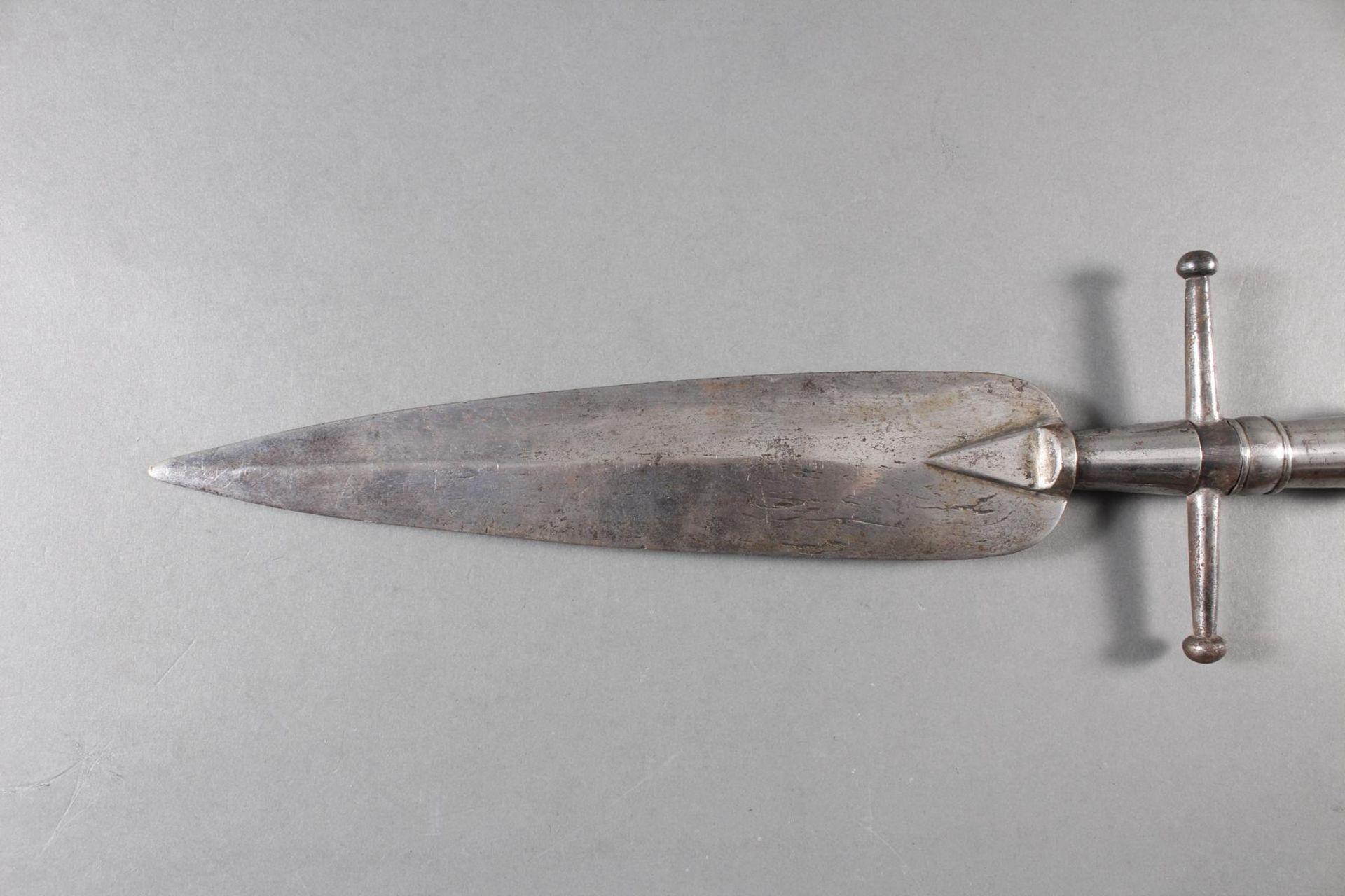 Eisen Lanzenspitze, sogenannte Saufeder, wohl deutsch 18. Jahrhundert - Bild 4 aus 4
