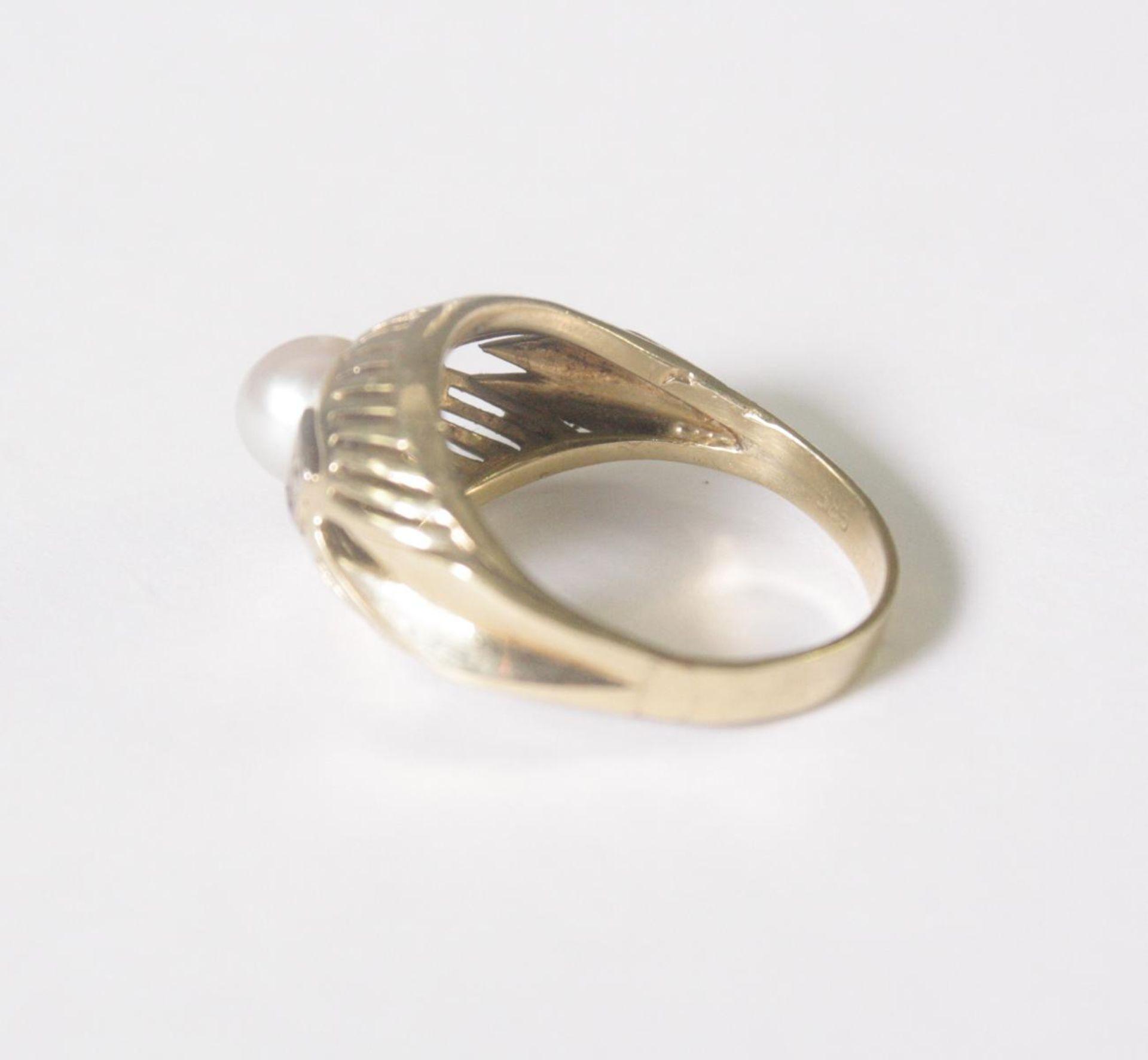 Damenring mit Perle und 2 Diamanten, 14 Karat Gelbgold - Bild 3 aus 4