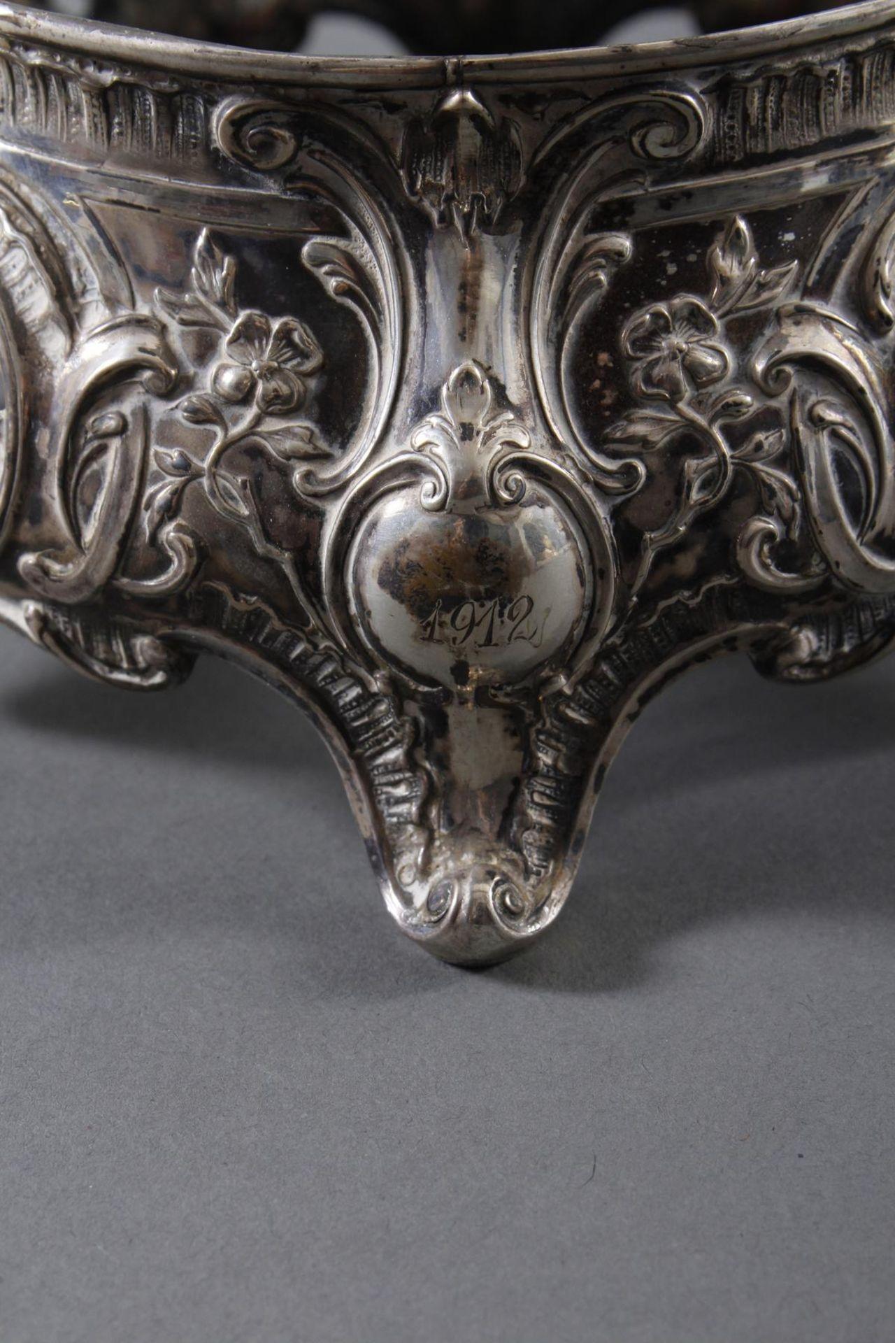 Silbernes Gebäckschälchen mit Glaseinsatz und Gravur - Bild 5 aus 11