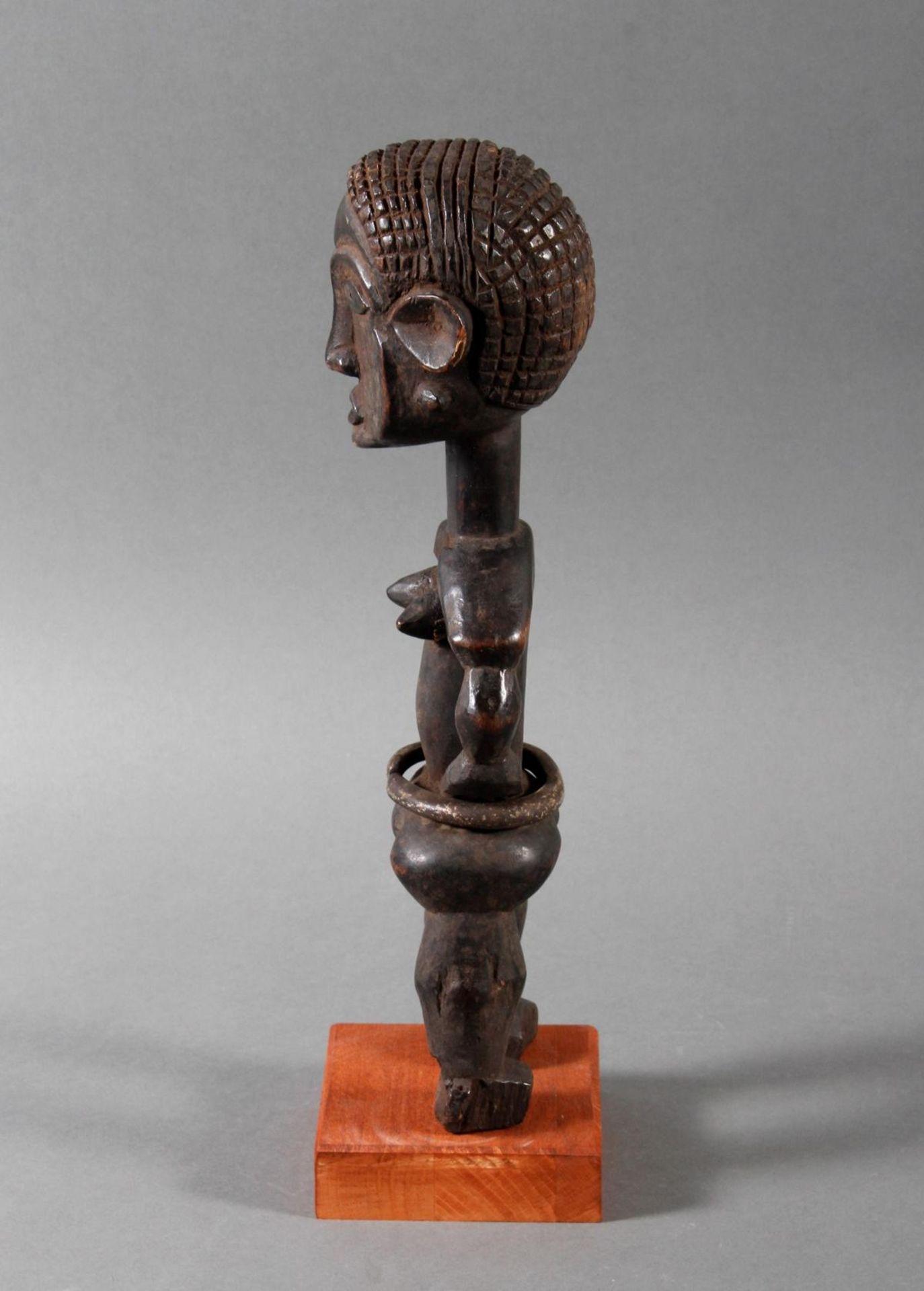 Seltene weibliche Ahnenskulpur der Azande, DR Kongo - Bild 5 aus 6
