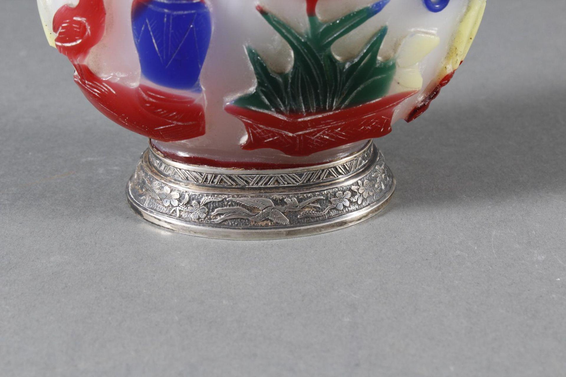 Snuff bottle, Überfangglas mit Silbermontur, China Anfang 20. Jahrhundert - Bild 11 aus 12