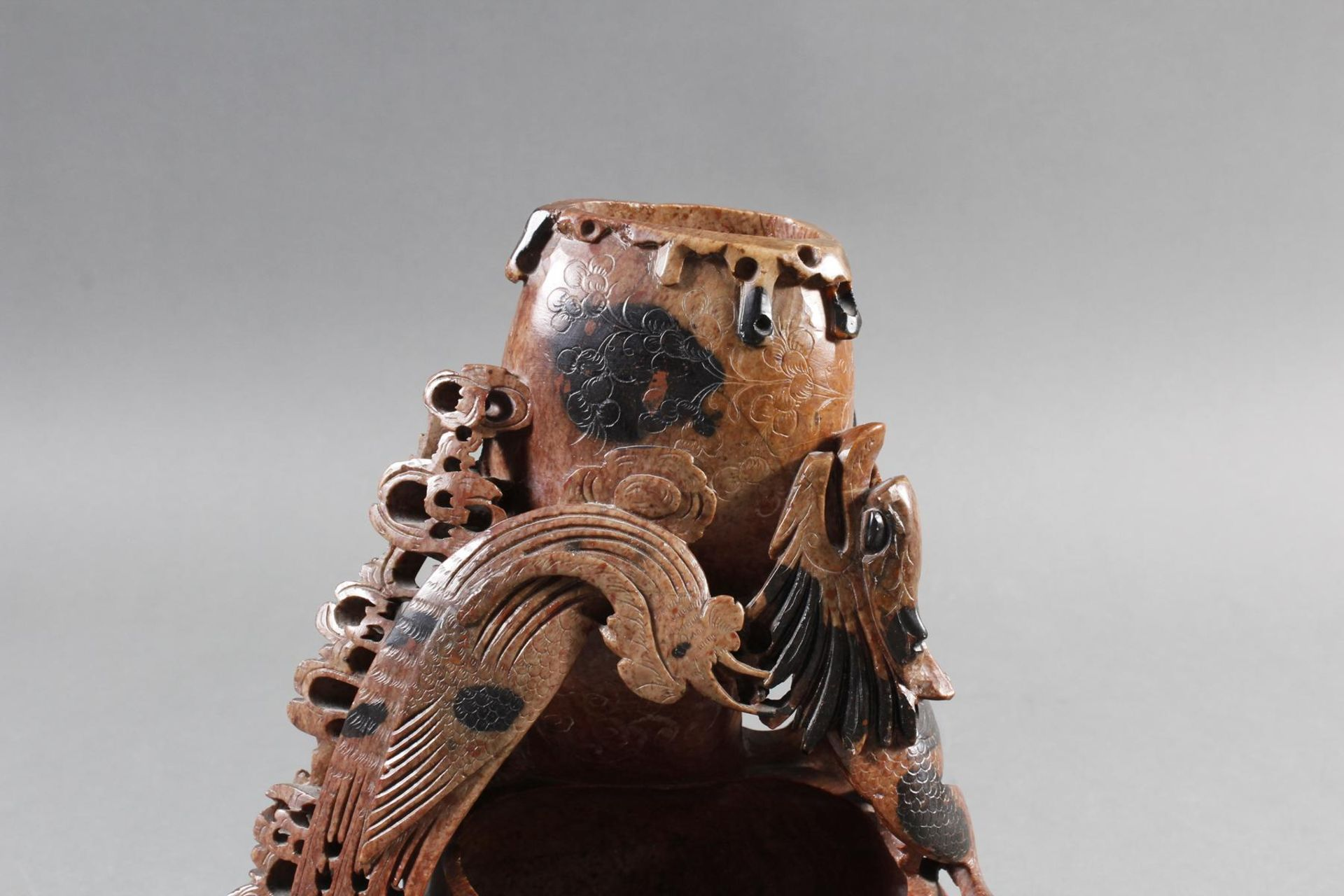 Tuschepinselwascher aus Steatit mit Zwei Becken, China Anfang 20 Jahrhundert - Bild 2 aus 16