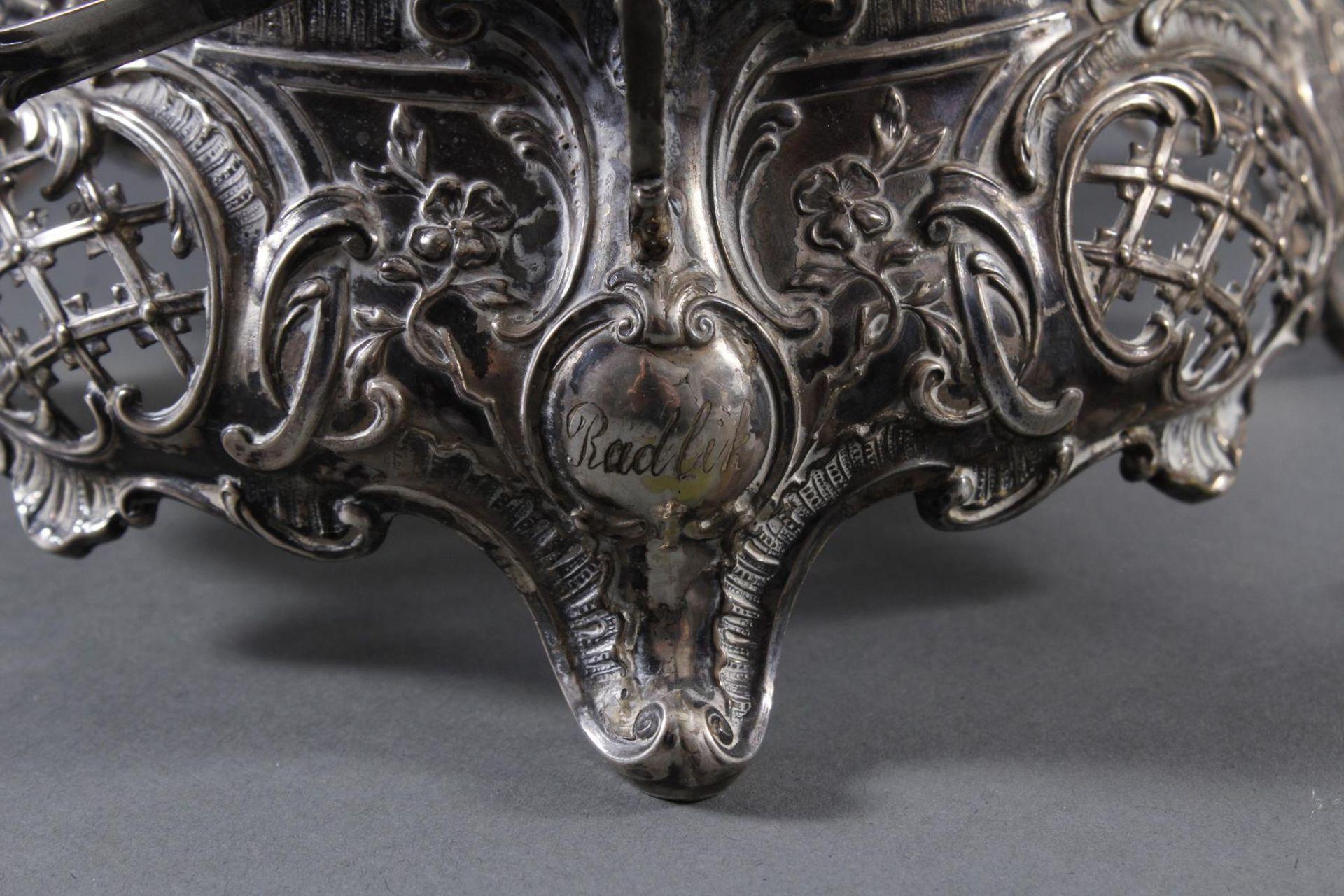 Silbernes Gebäckschälchen mit Glaseinsatz und Gravur - Bild 4 aus 11