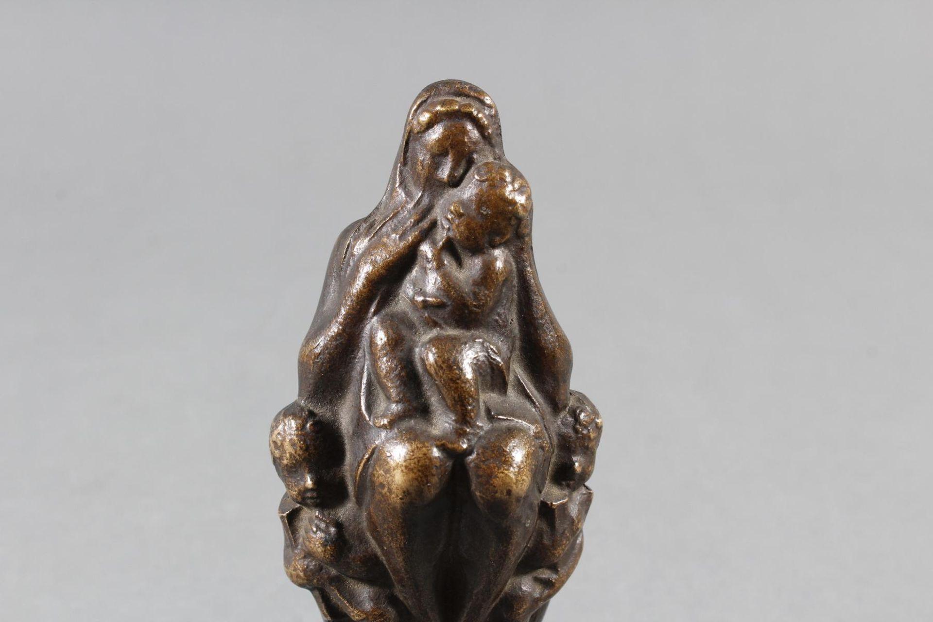 Bronzeskulptur, Mutter mit Kindern, Georg Wrba (1872-1939) um 1920 - Bild 6 aus 8