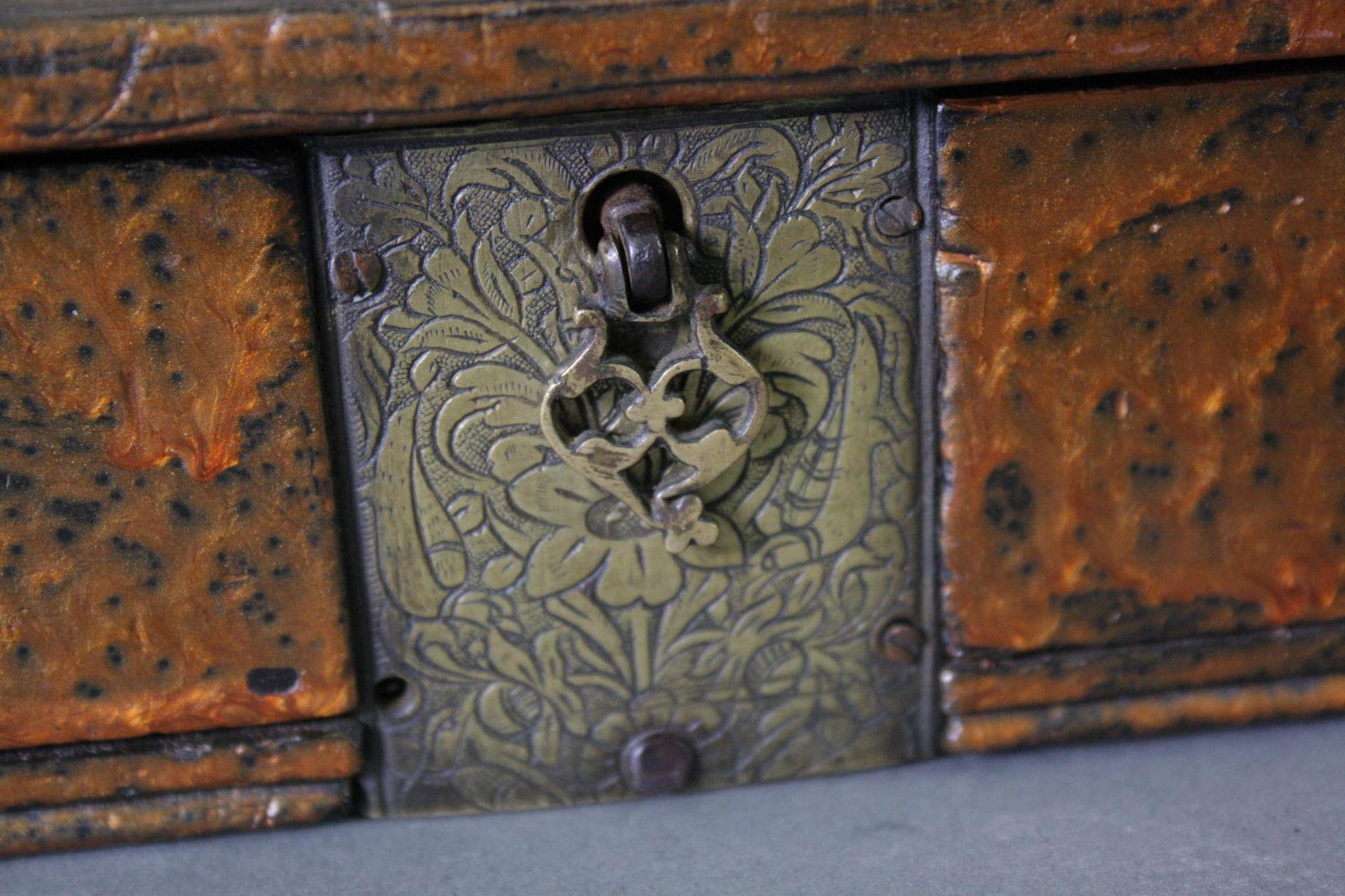 Zwei Waagen im Kasten, Iran 18. Jahrhundert - Bild 3 aus 6