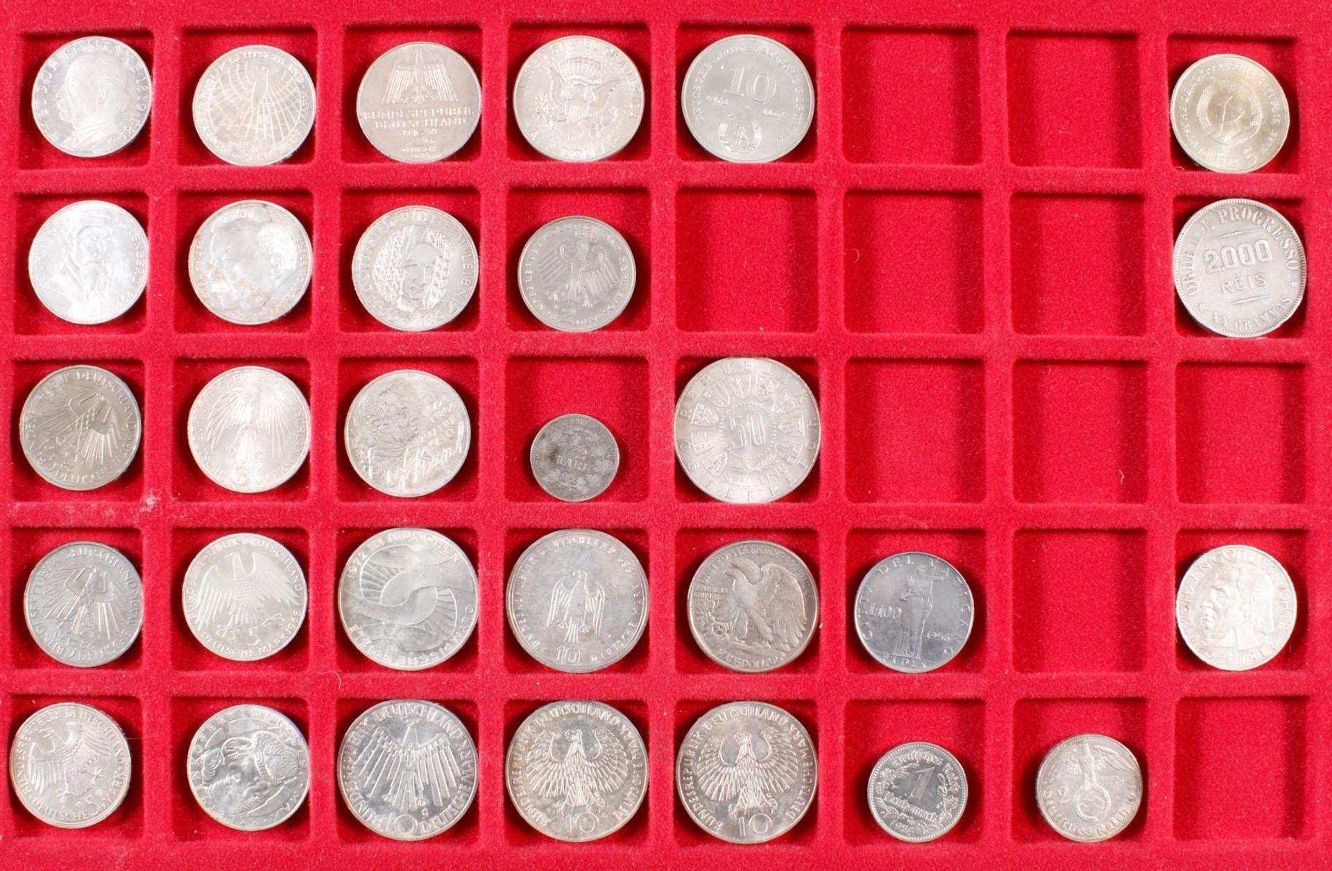 Münz- und Medaillensammlung - Bild 2 aus 8