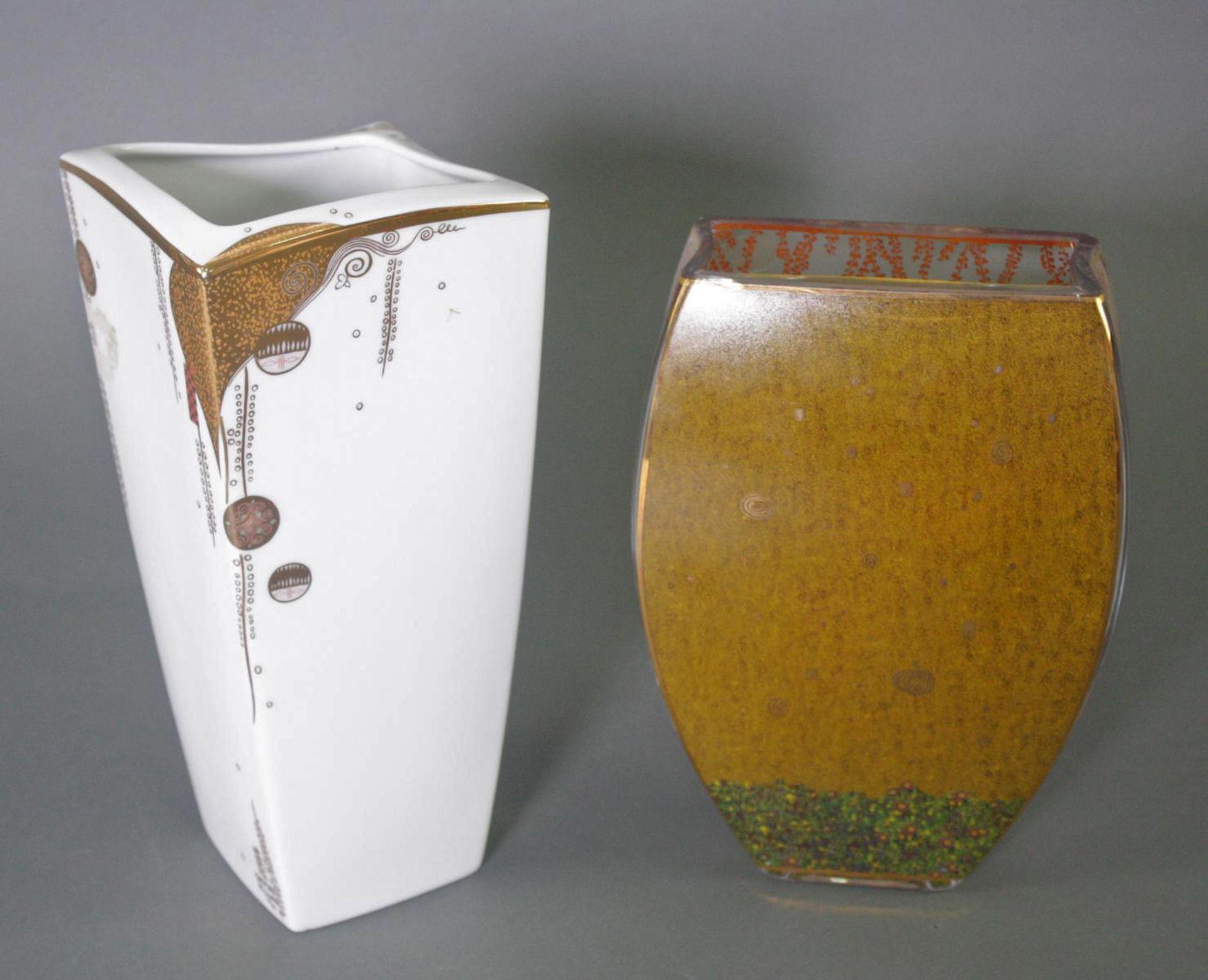 Zwei Goebel Artis Orbis Gustav Klimt Vasen. Porzellan und Glas - Bild 5 aus 7