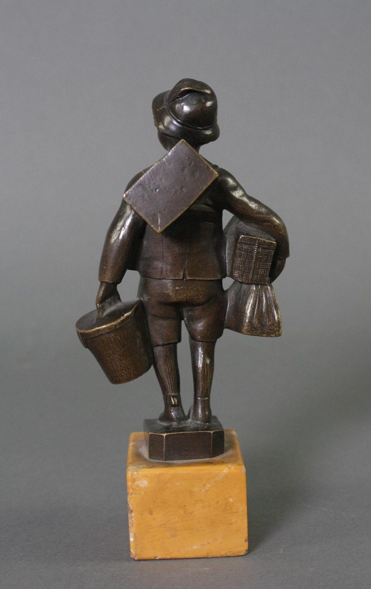 Bronzefigur, Auf Reisen - Bild 3 aus 5