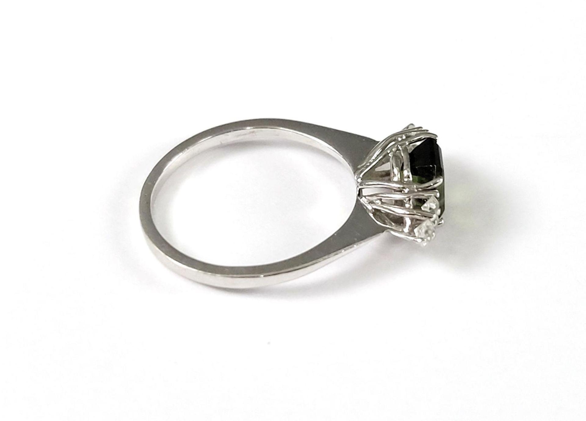 Damenring mit Turmalin und Diamanten, 14 Karat Weißgold - Bild 2 aus 4