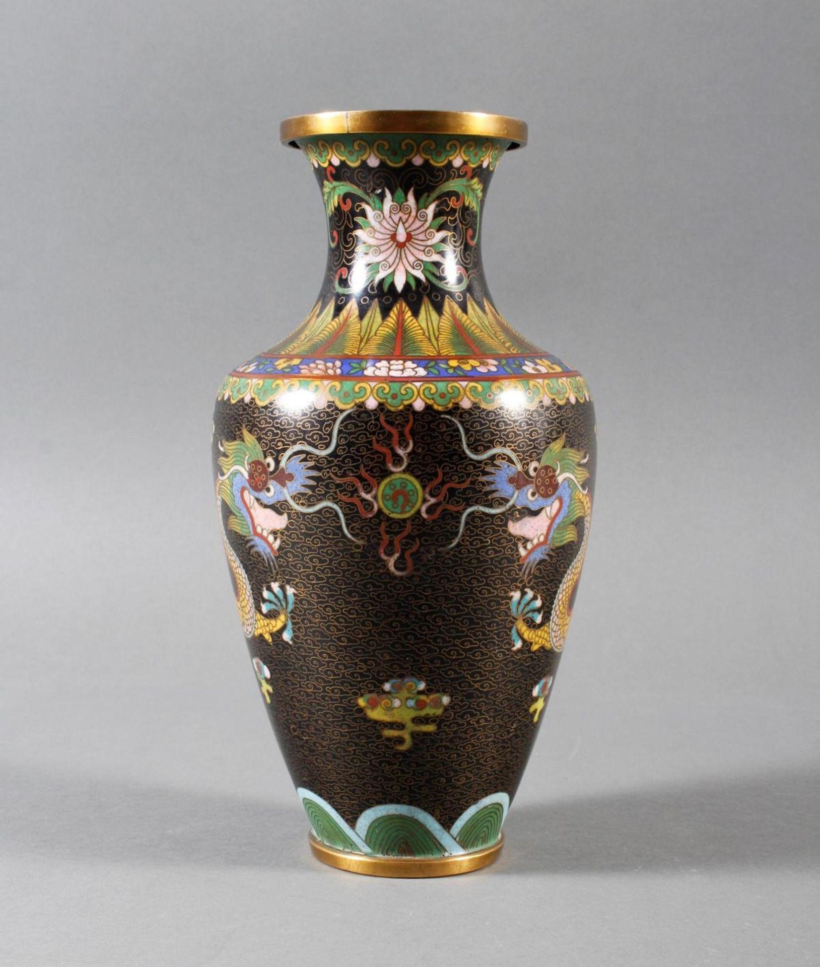 Cloisonne Ziervase, China, späte Quing-Dynastie
