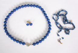 2 Halsketten und Ohrstecker aus Lapislazulie