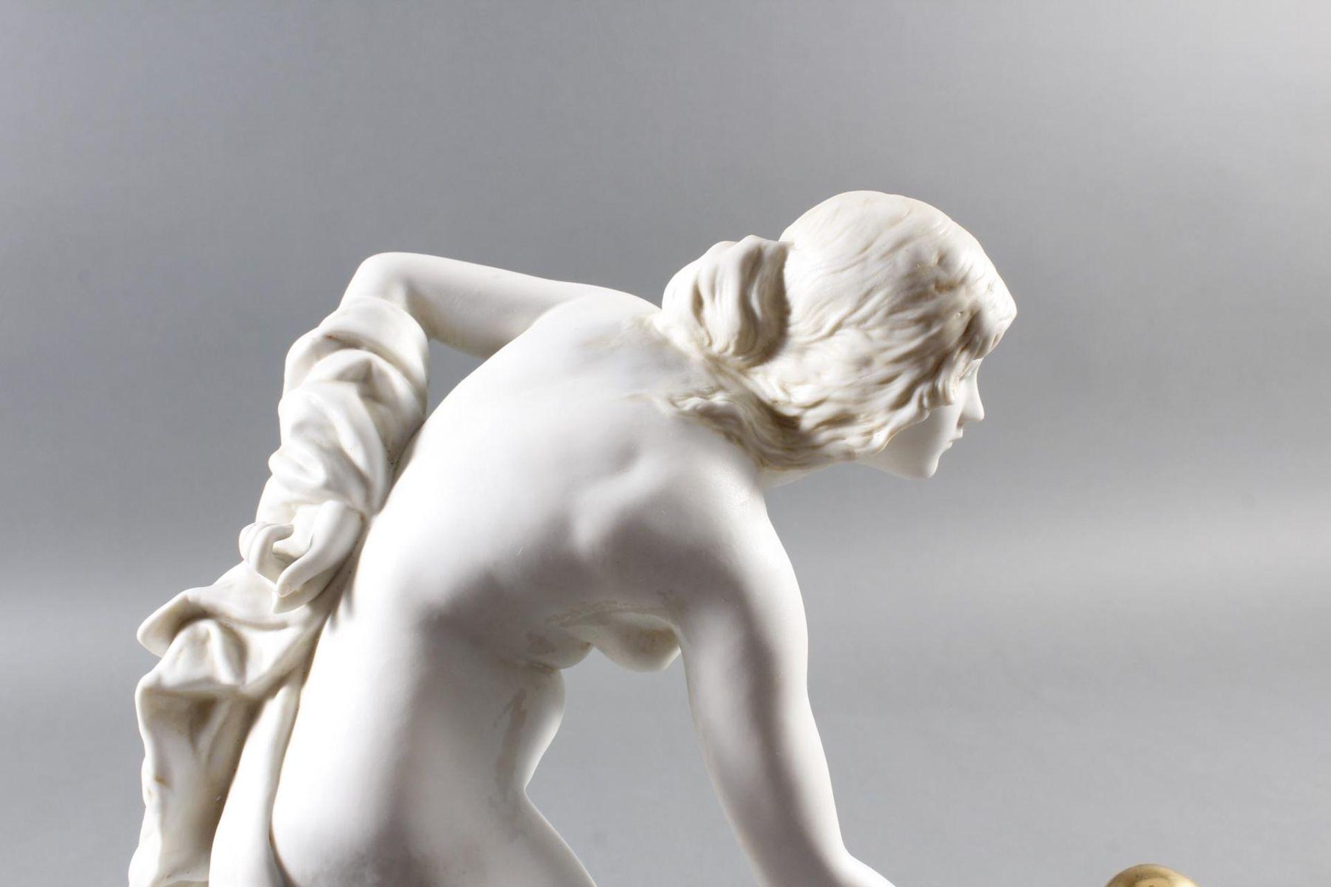 Porzellanskulptur, Kugelspielerin, Scheibe-Alsbach - Bild 10 aus 15