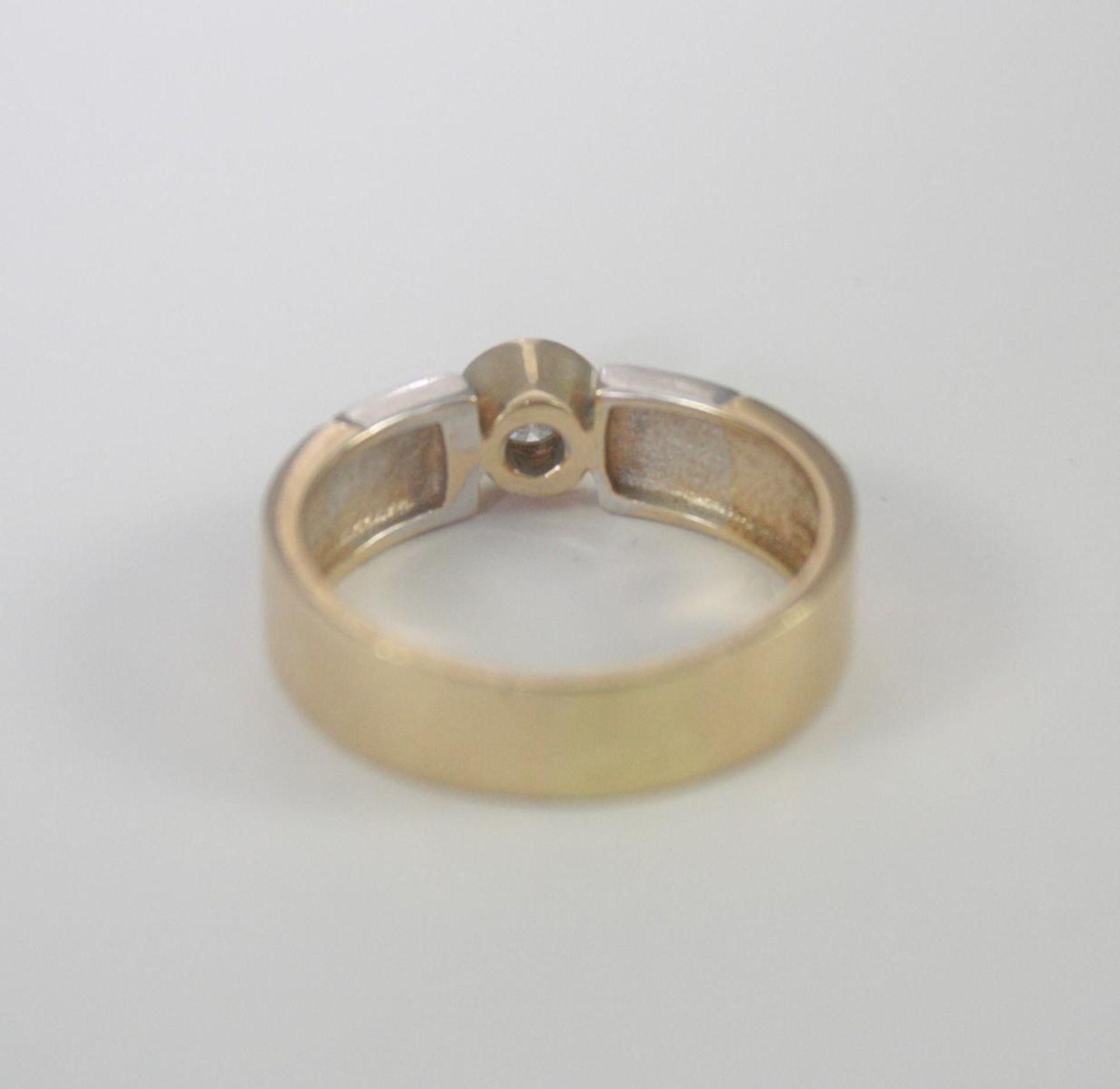 Damenring mit Diamant, 14 Karat Gelb- und Weißgold - Bild 3 aus 3