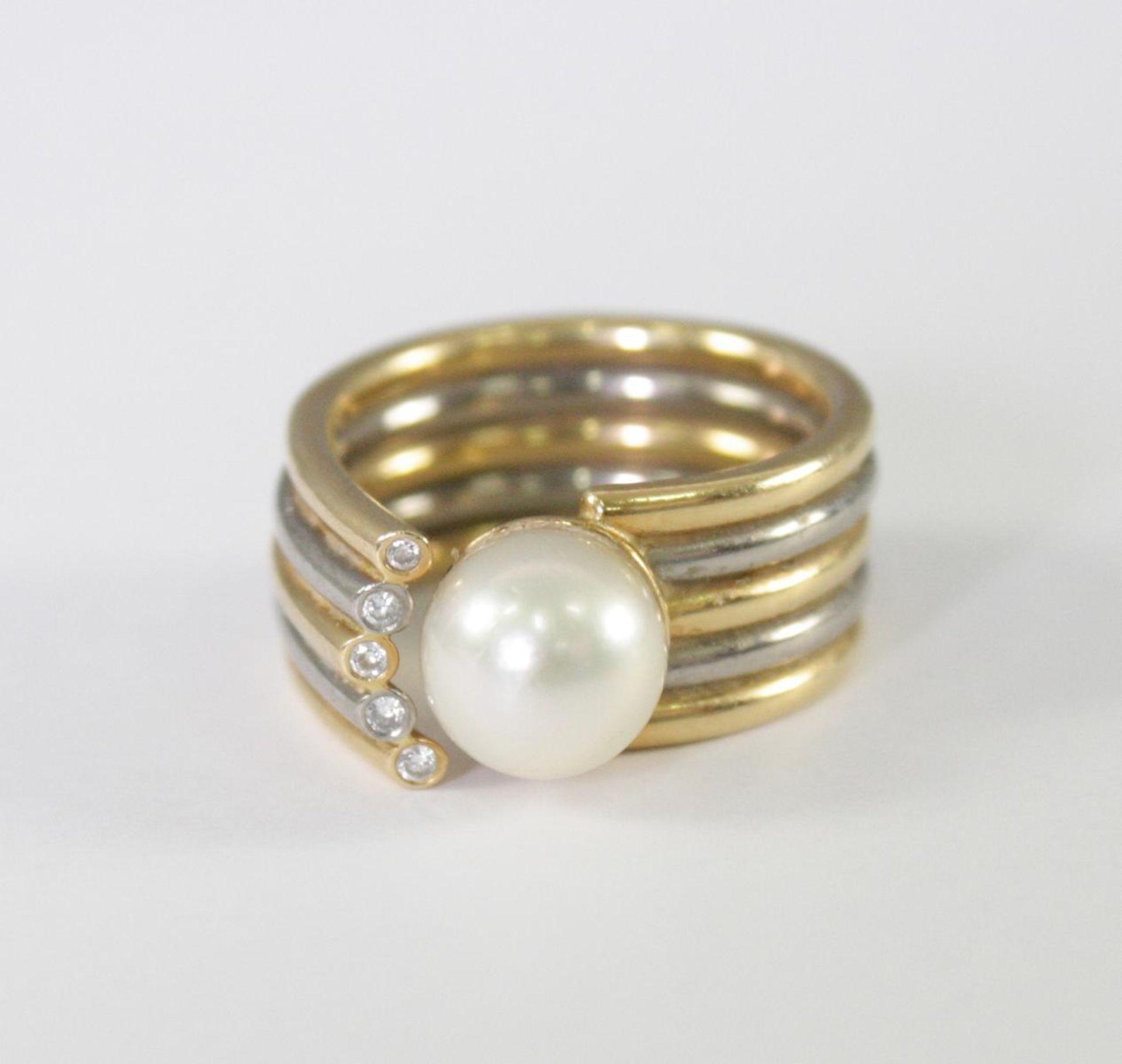 Damenring mit Perle und Diamanten, 18 Karat Gelb- und Weißgold