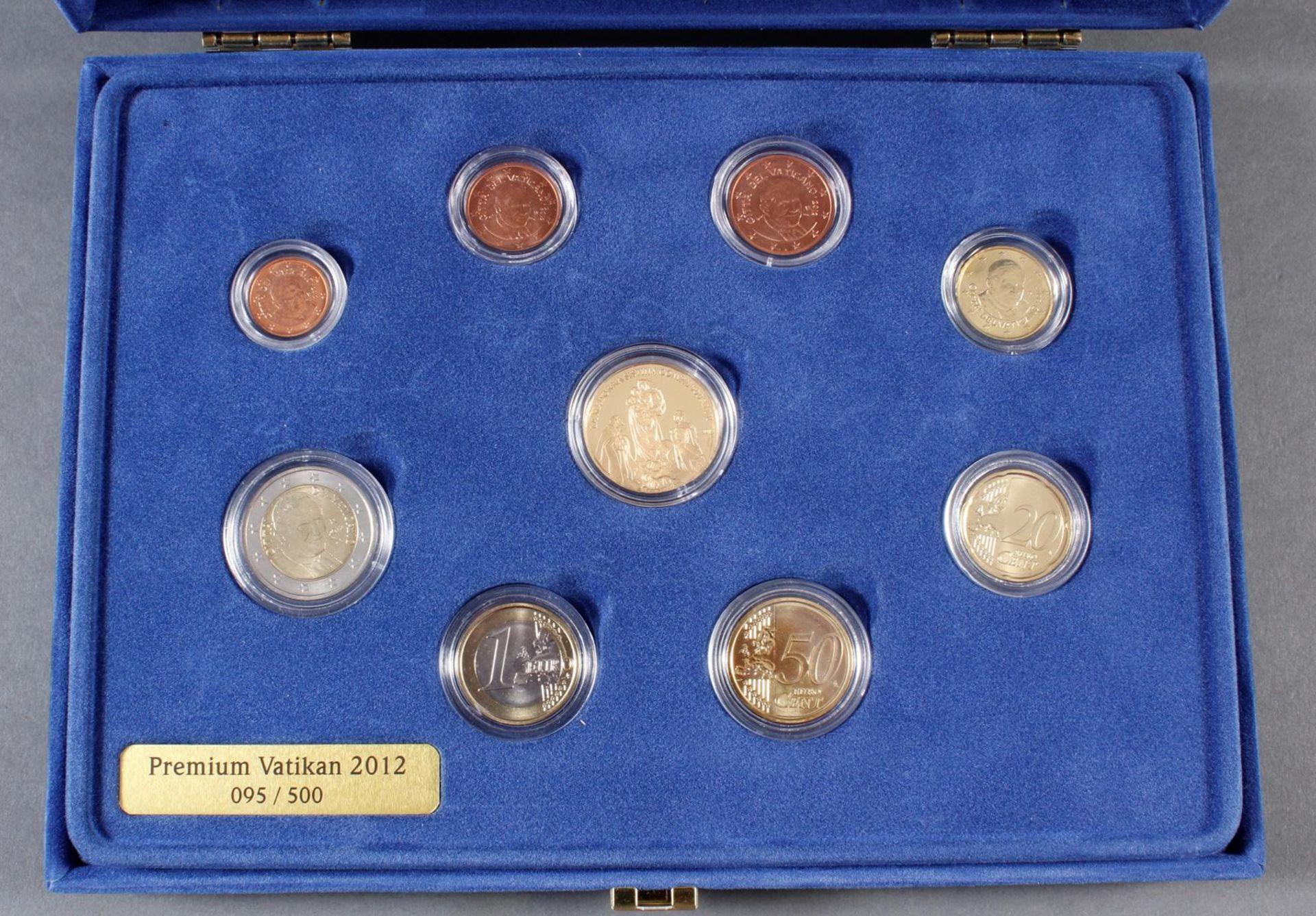 Vatikan Premium KMS (Kursmünzensatz) 2012 mit 1/10 Unze Goldmedaille - Bild 2 aus 4