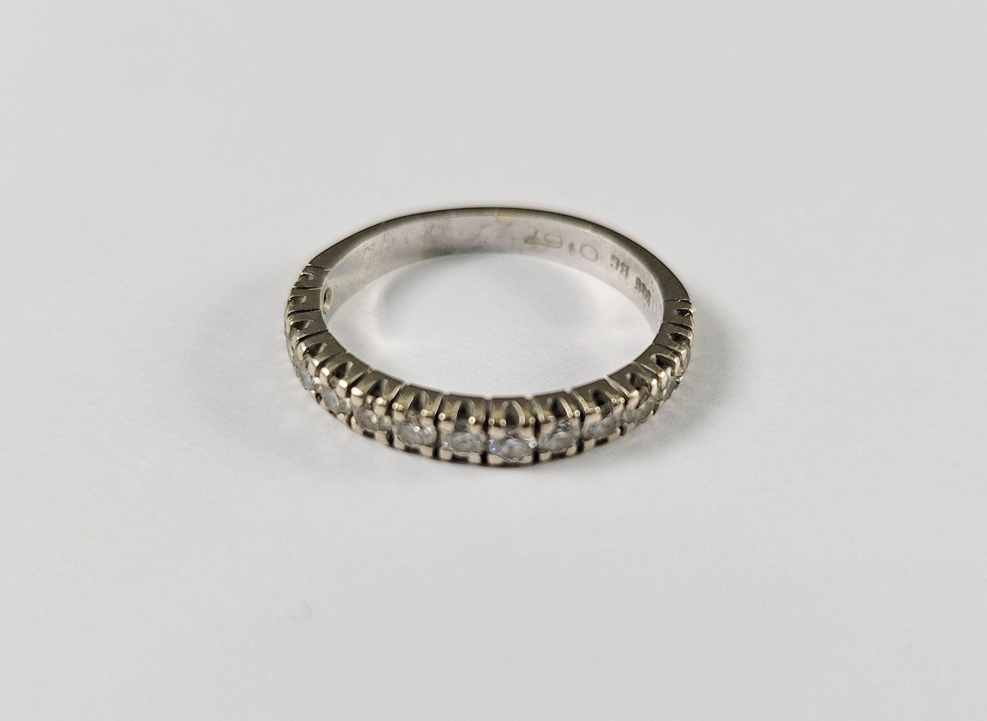 Memoirering mit Diamanten, 14 Karat Weißgold