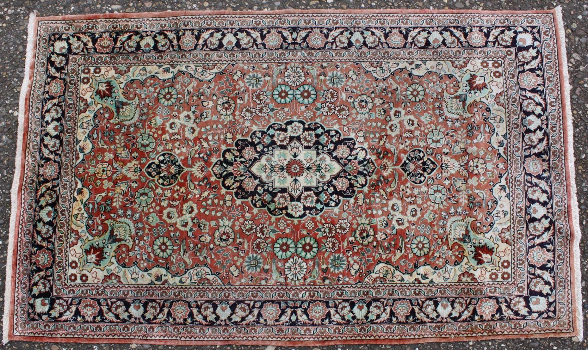 Kaschmir, Seidenteppich