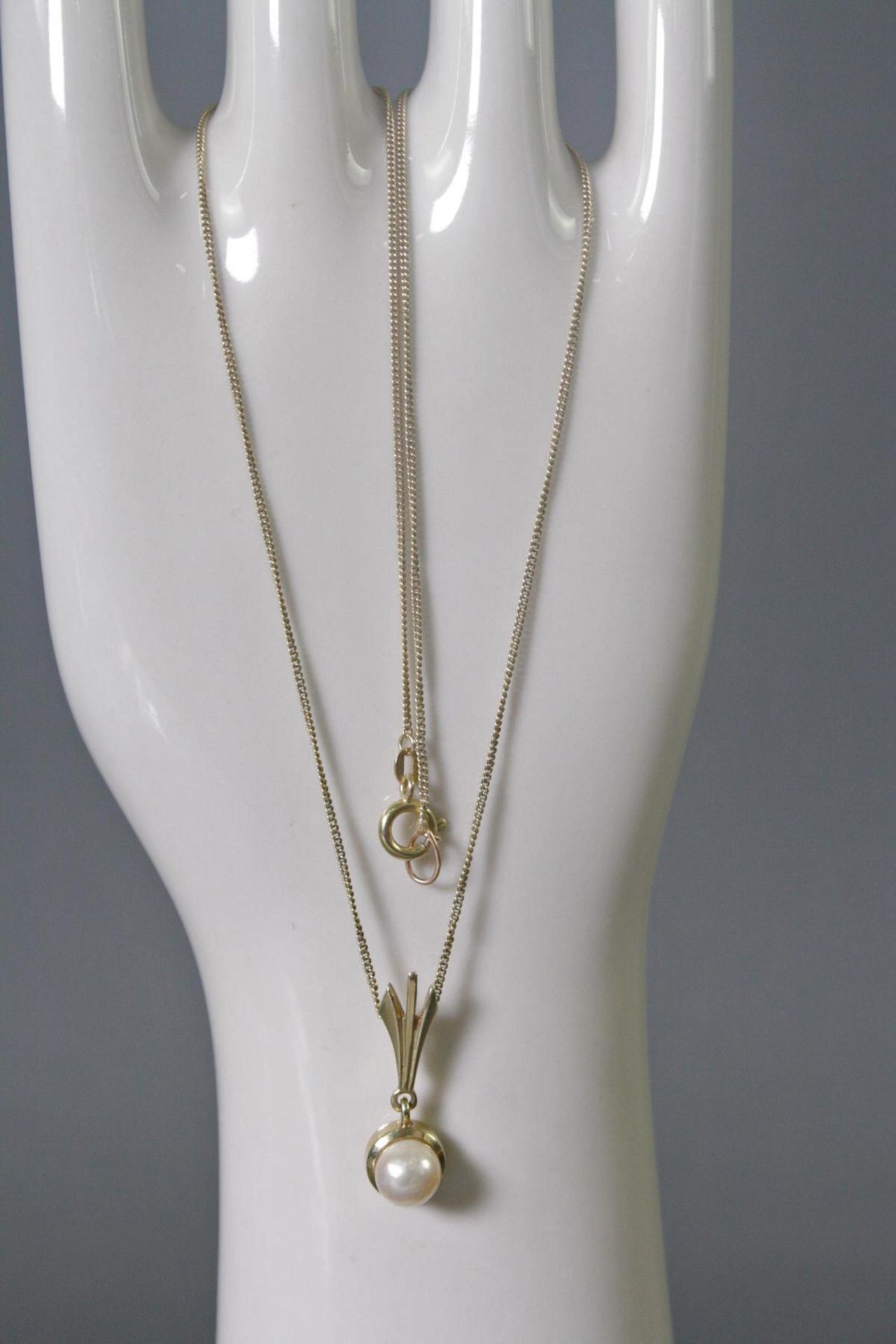 Halskette mit Perlanhänger, 14 Karat Gelbgold
