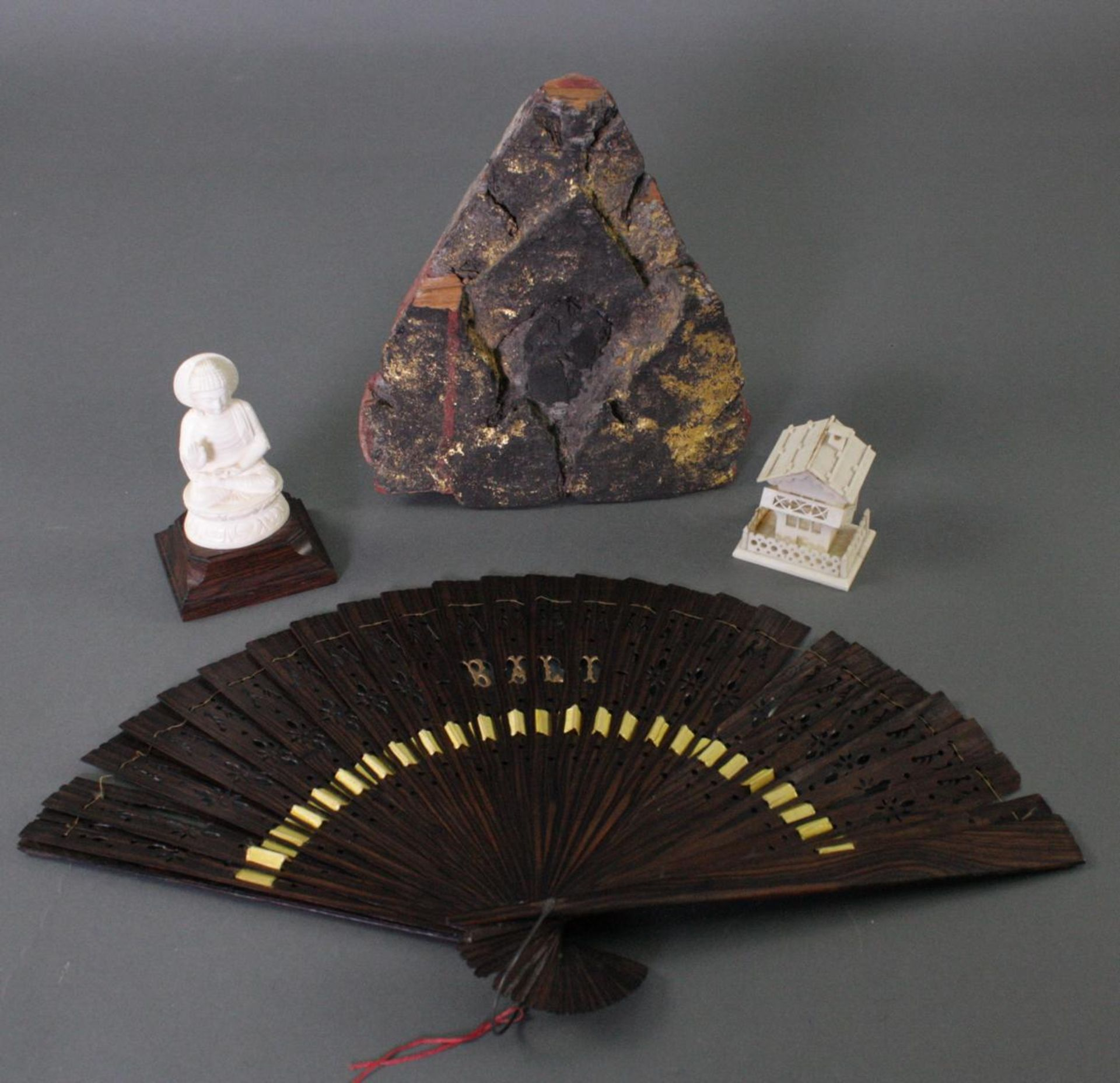 Konvolut Asiatika, Korea, Thailand, Bali, 19./20. Jahrhundert