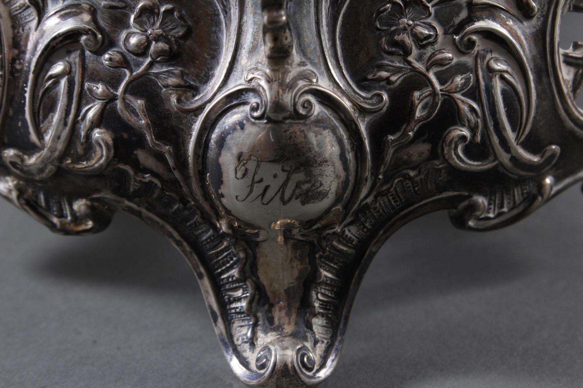 Silbernes Gebäckschälchen mit Glaseinsatz und Gravur - Bild 6 aus 11