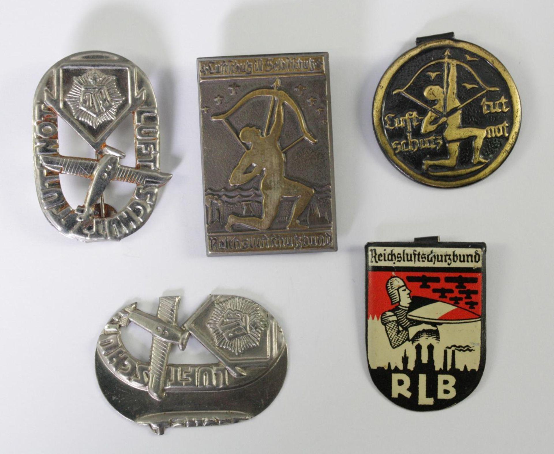 Kleinabzeichen Thema Luftschutz, RLB - Reichsluftschutzbund