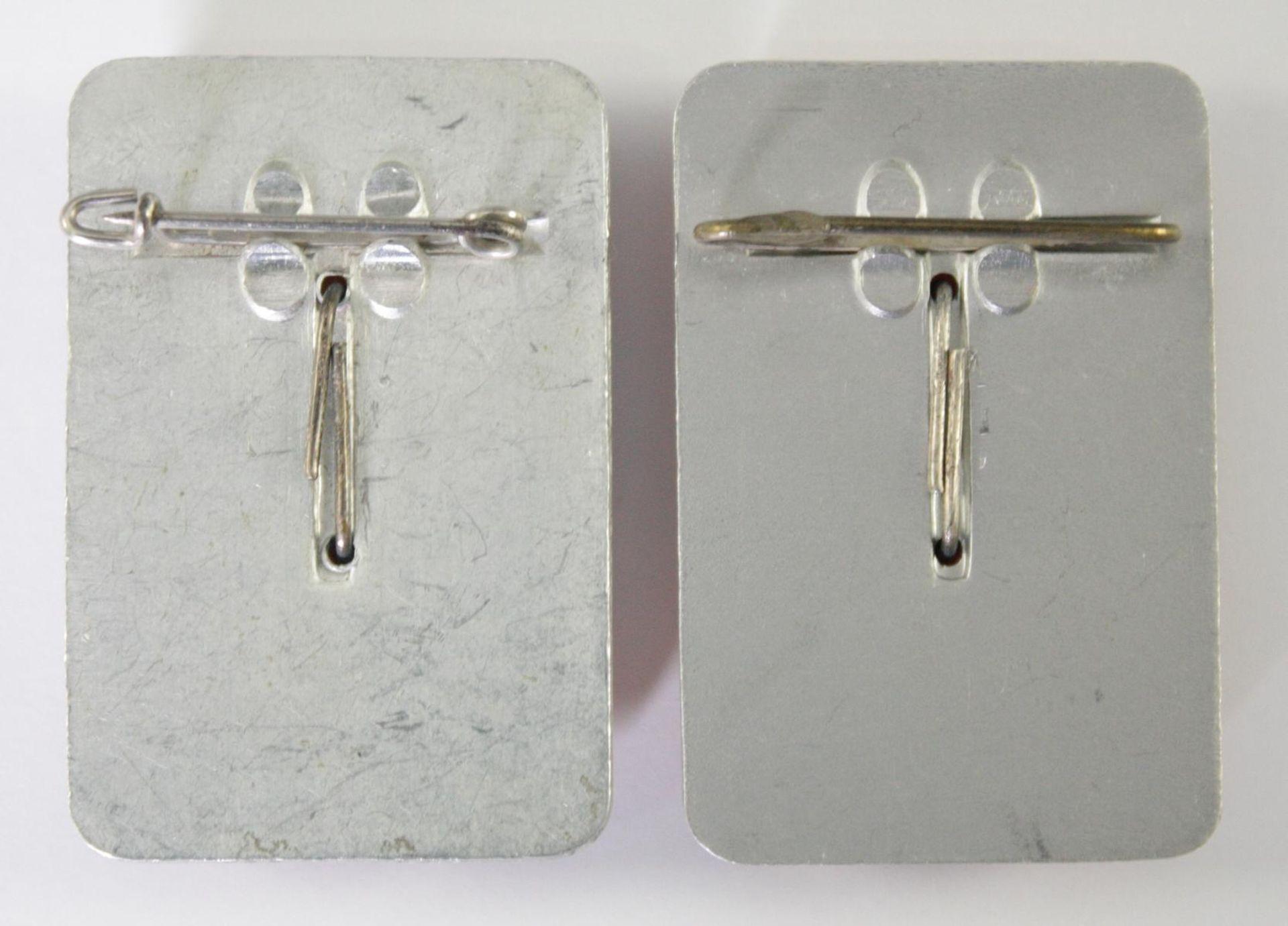 2 Sympathieabzeichen Bernstein auf Metall - Bild 2 aus 2