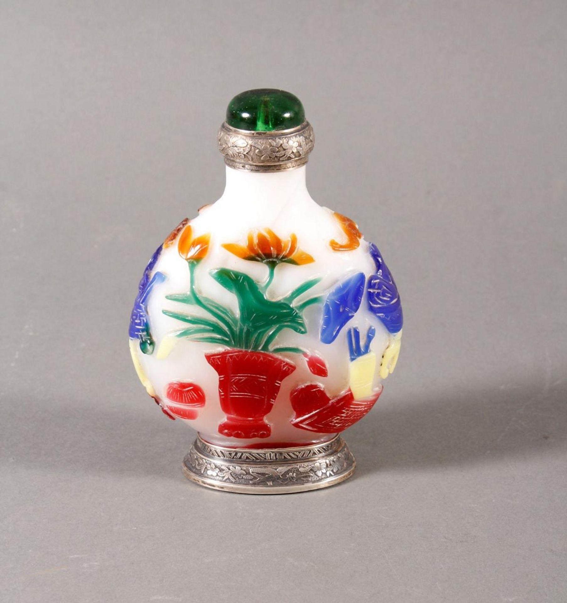 Snuff bottle, Überfangglas mit Silbermontur, China Anfang 20. Jahrhundert - Bild 4 aus 12