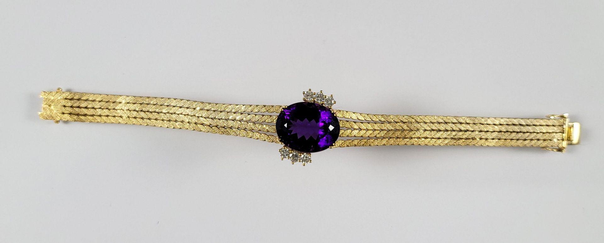 Damenarmband mit großem, facettierten Amethyst und Diamanten, 14 Karat Gelbgold