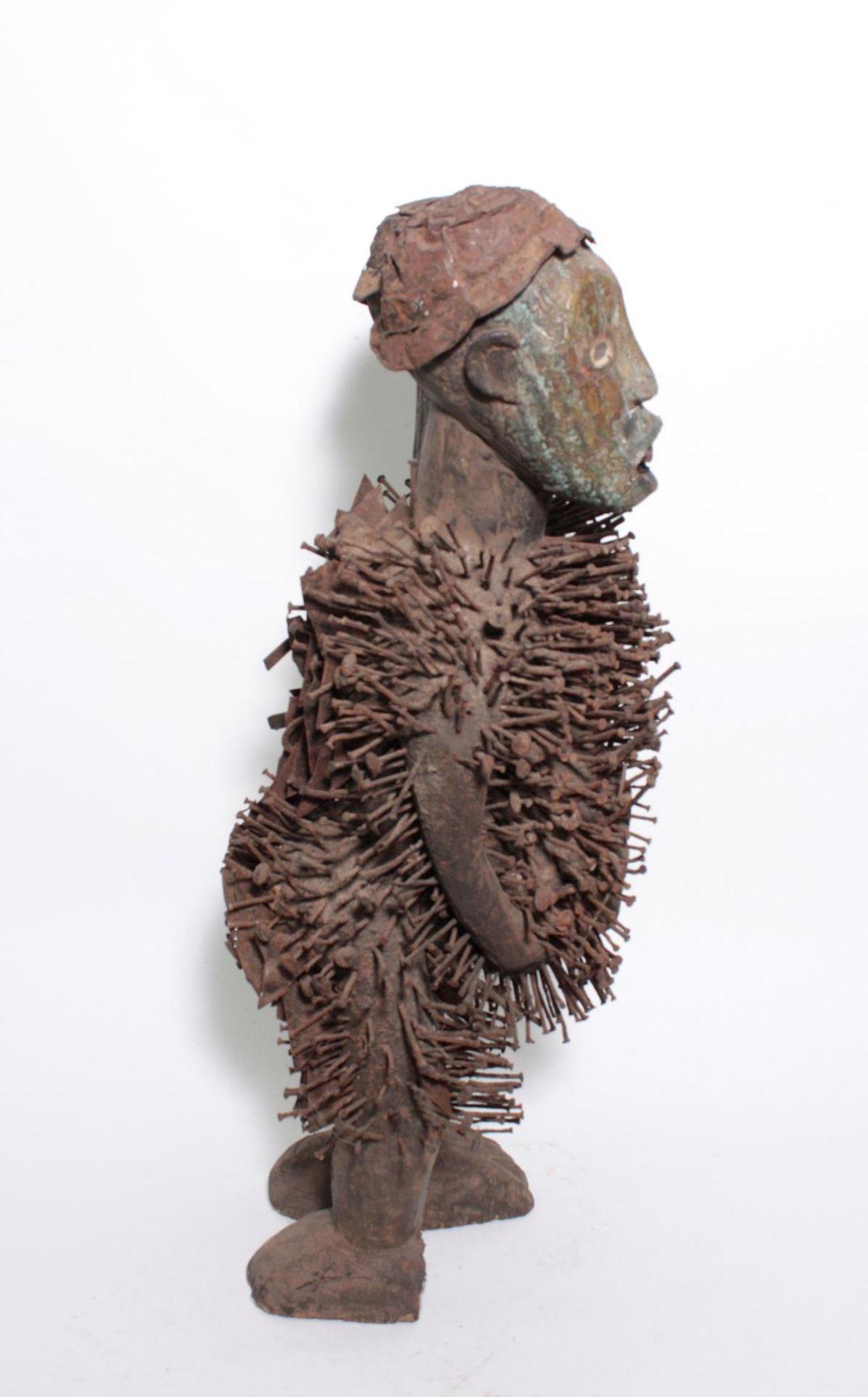 Doppelkopf-Nagelfetisch-Ritual Figur. Kongo-Yombe, Nkisi Nkondi, 1. Hälfte 20. Jh. - Bild 6 aus 9