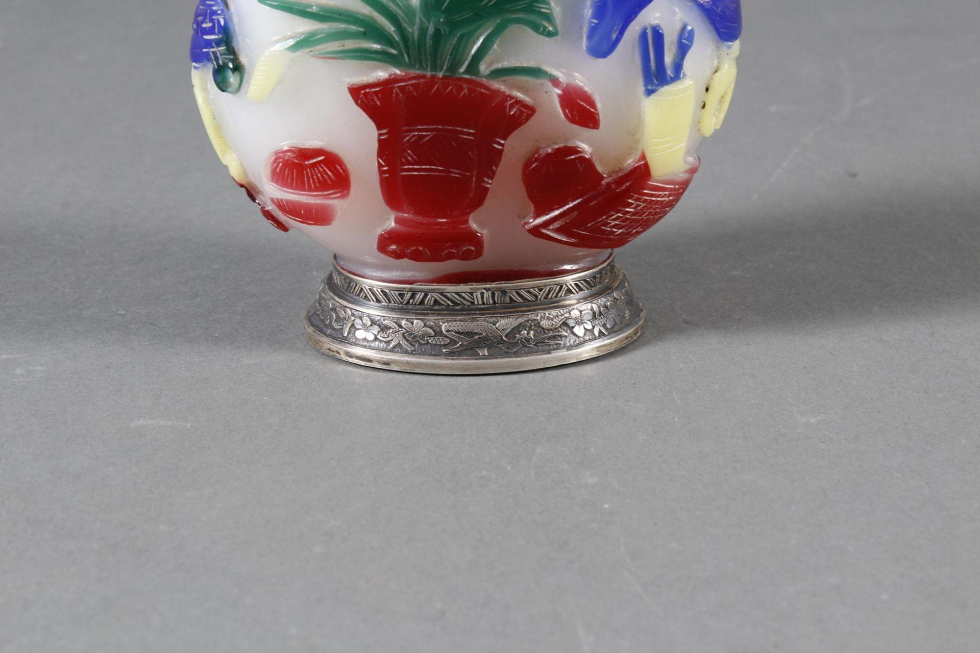 Snuff bottle, Überfangglas mit Silbermontur, China Anfang 20. Jahrhundert - Bild 10 aus 12