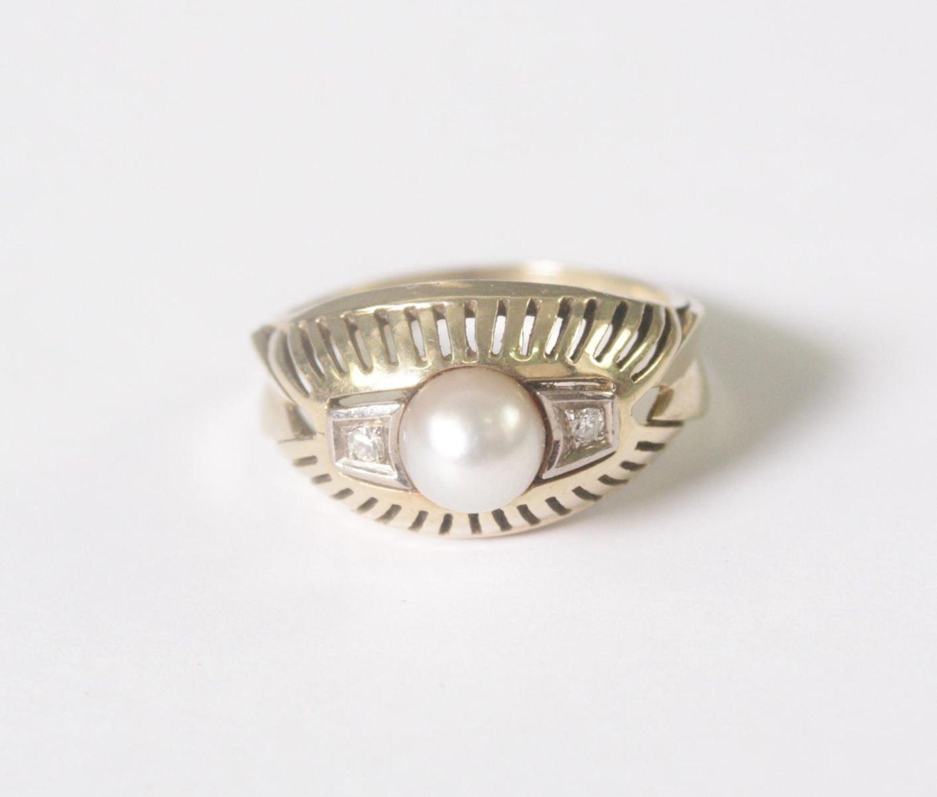 Damenring mit Perle und 2 Diamanten, 14 Karat Gelbgold - Bild 2 aus 4