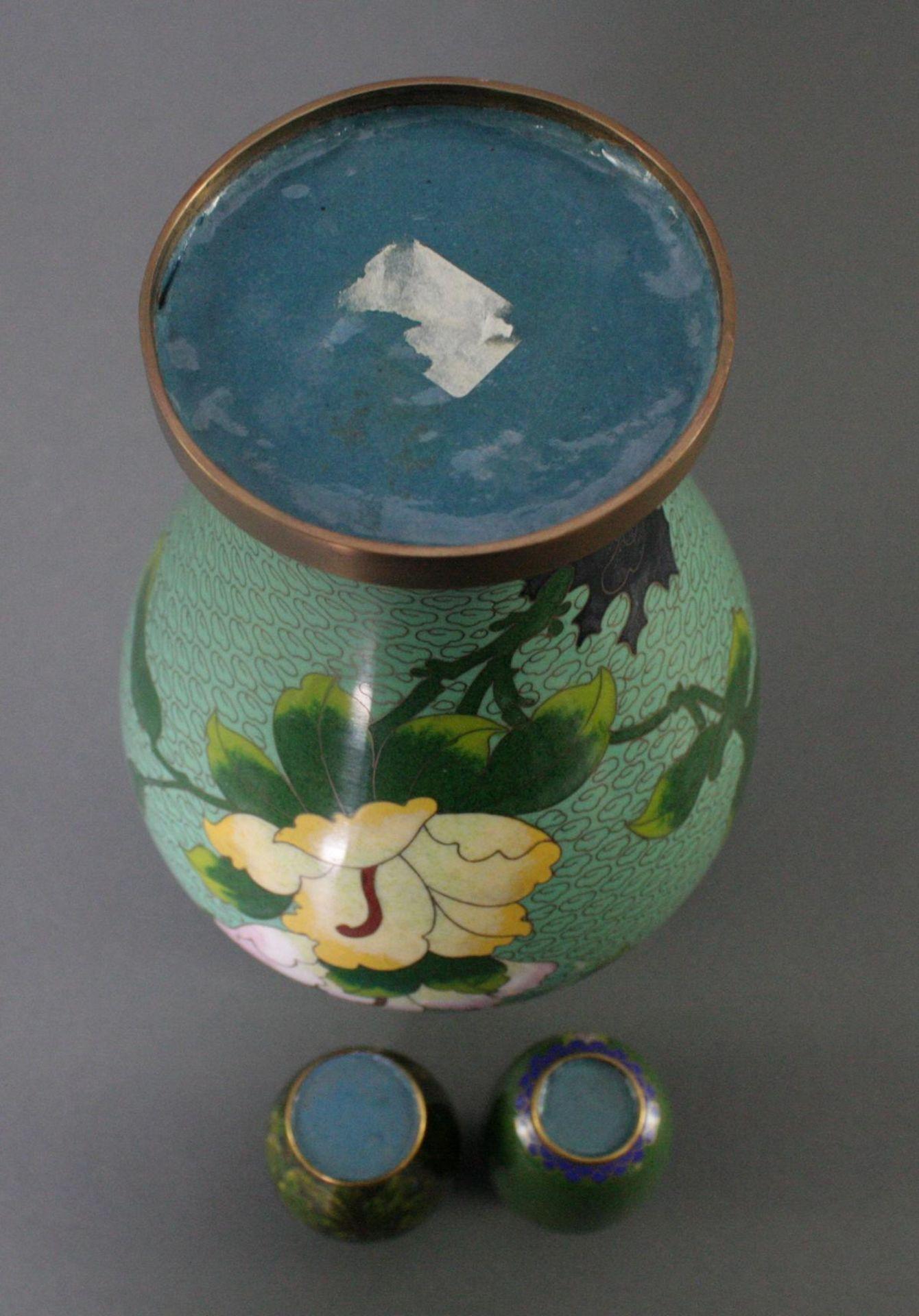 Drei Cloisonné Vasen, China - Bild 4 aus 4