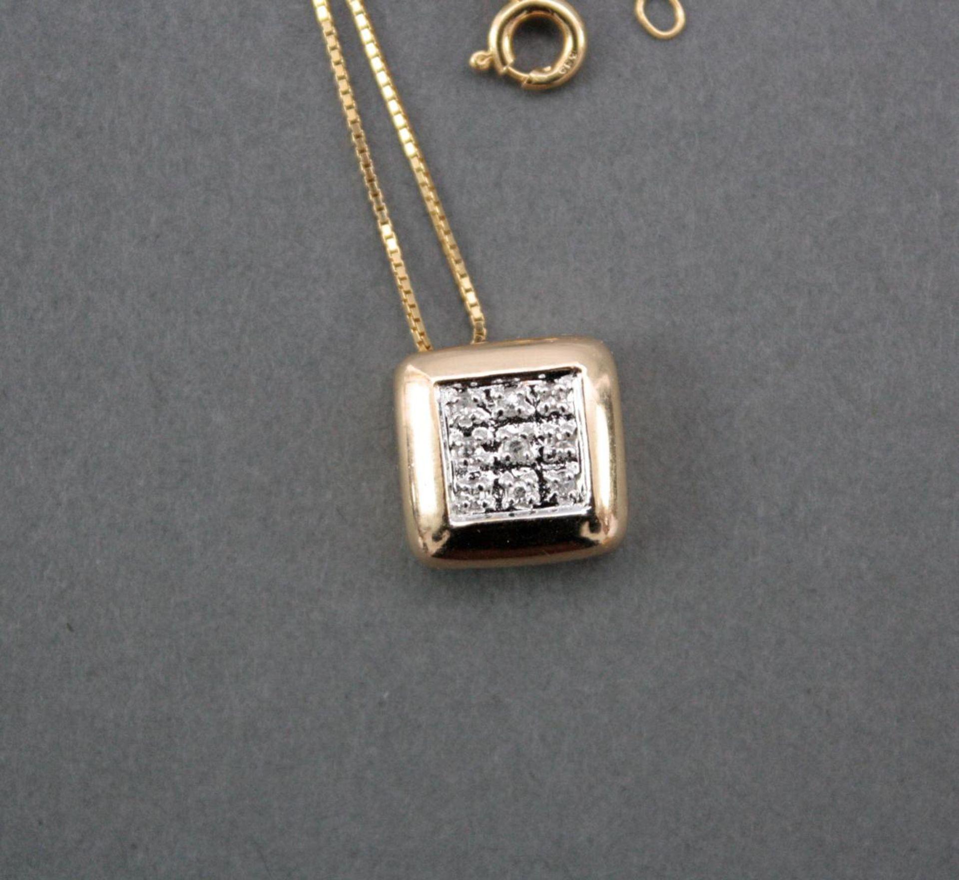 Halskette mit Diamantanhänger, 14 Karat Gelbgold - Bild 2 aus 3
