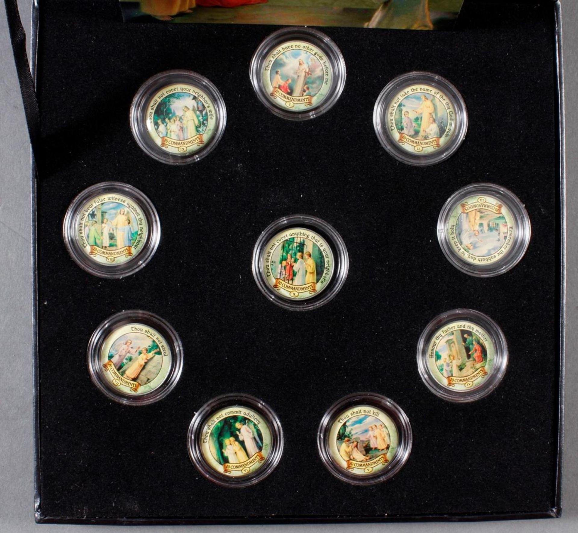 2 Sets kolorierte Münzen; Thema Religion - Bild 3 aus 3