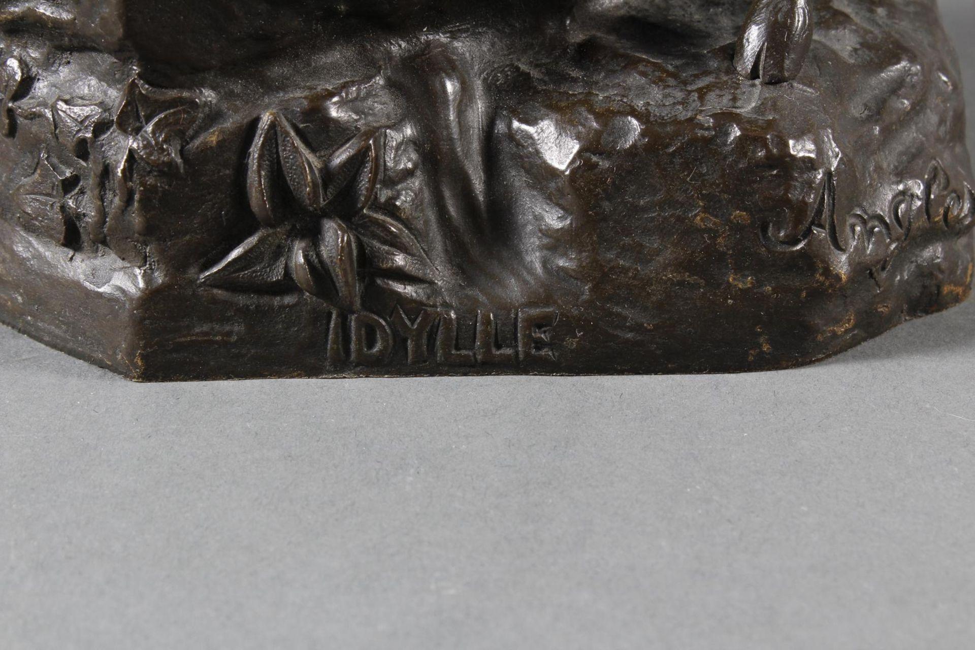 """Jugendstil Bronze """"Idylle"""" Frankreich um 1900 .Akt eines Flötenspielenden Hirtenjungen mit Ziege - Bild 6 aus 7"""