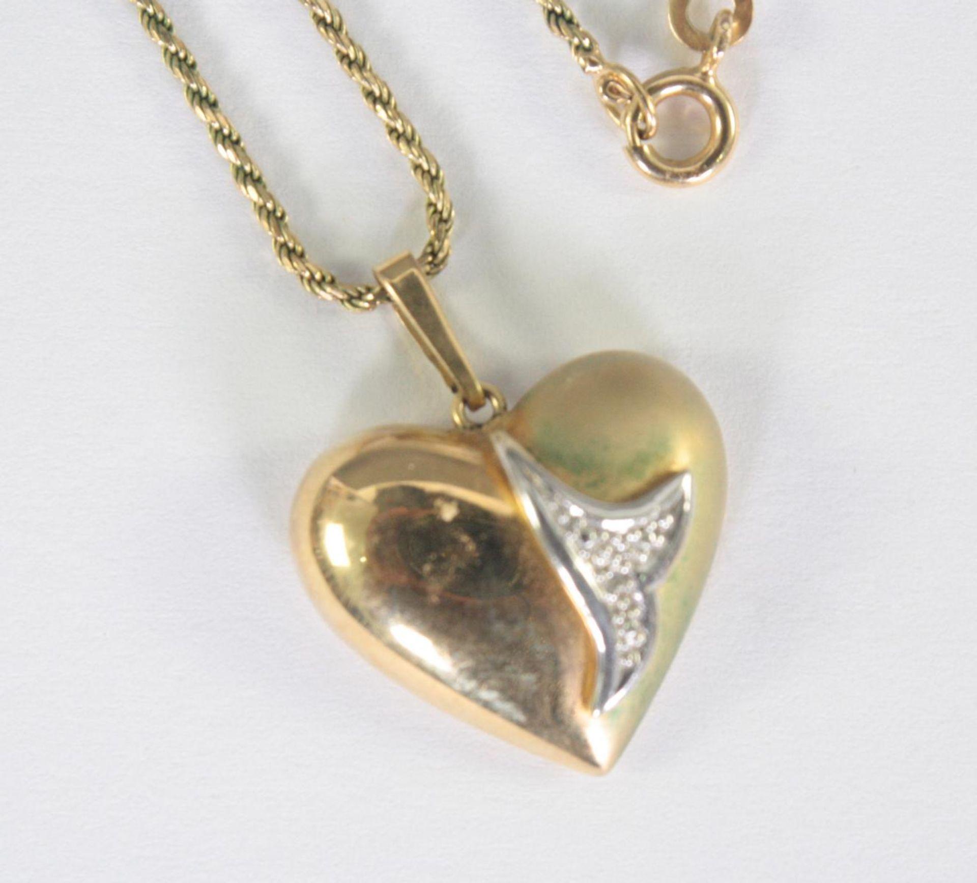 Halskette mit Herzanhänger, 8 Karat Gelbgold - Bild 2 aus 2