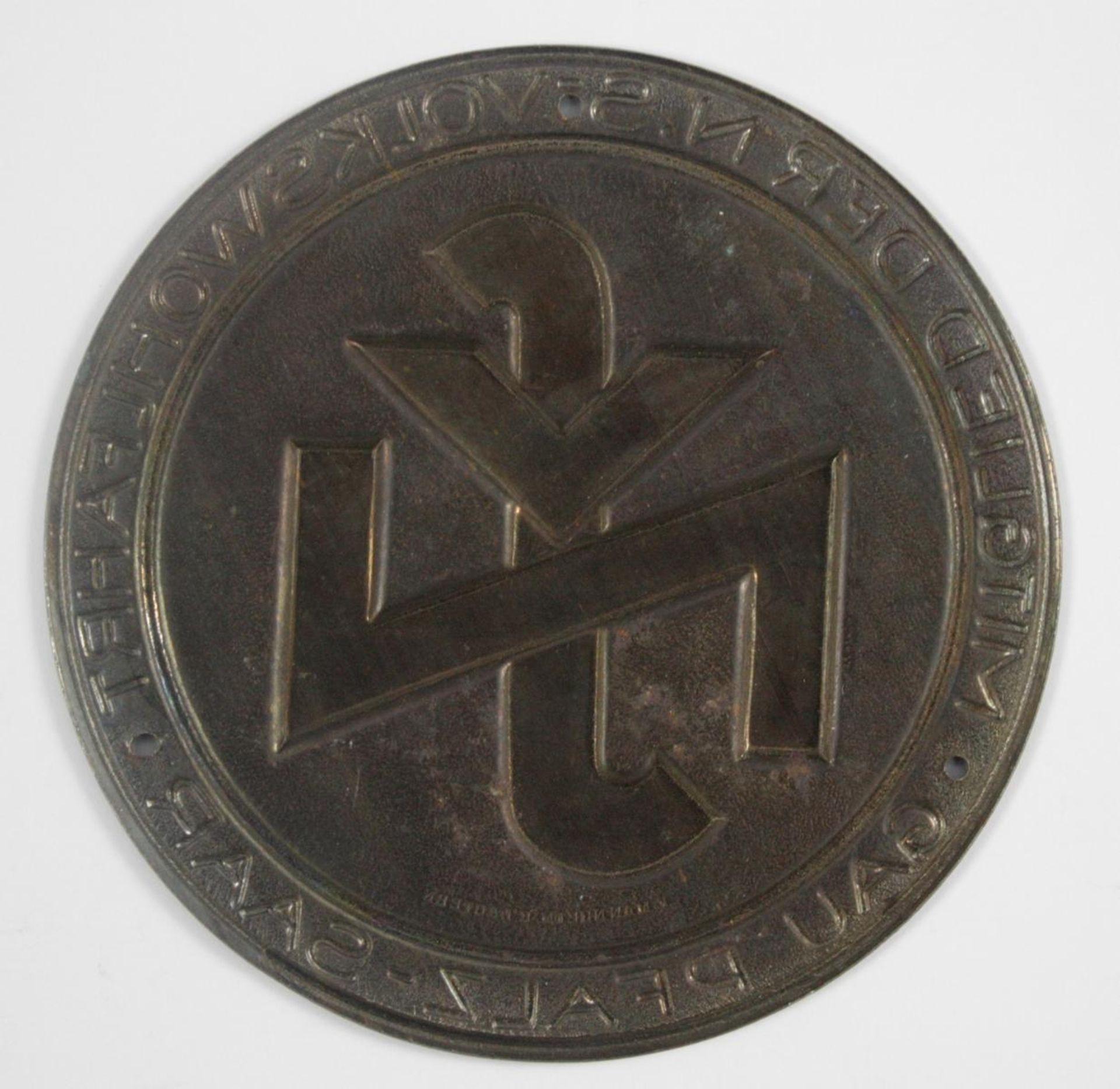 Kleine Türplakette NSV - Mitglied der NS Volkswohlfahrt Gau Pfalz-Saar - Bild 2 aus 2