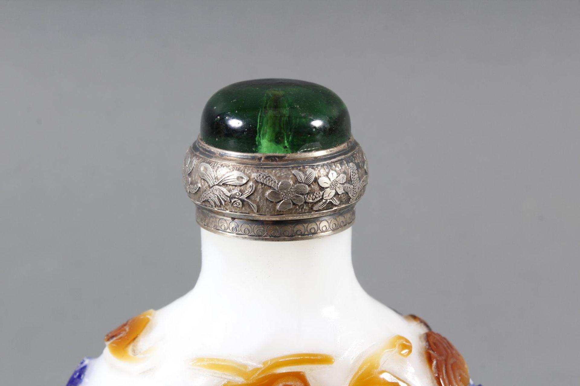 Snuff bottle, Überfangglas mit Silbermontur, China Anfang 20. Jahrhundert - Bild 8 aus 12