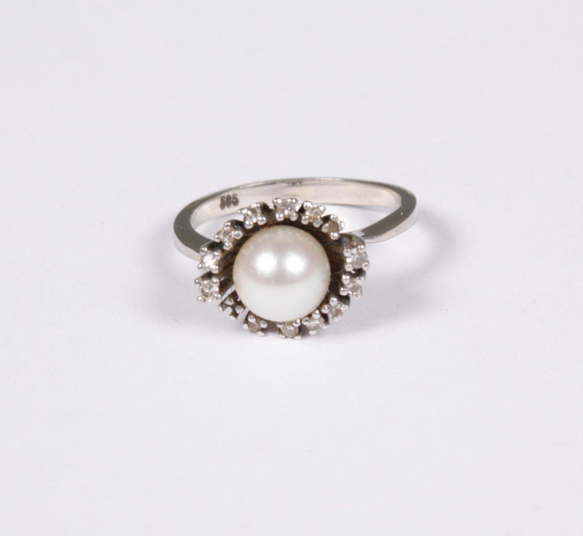 Damenring mit Diamanten und Perle, 14 Karat Weißgold