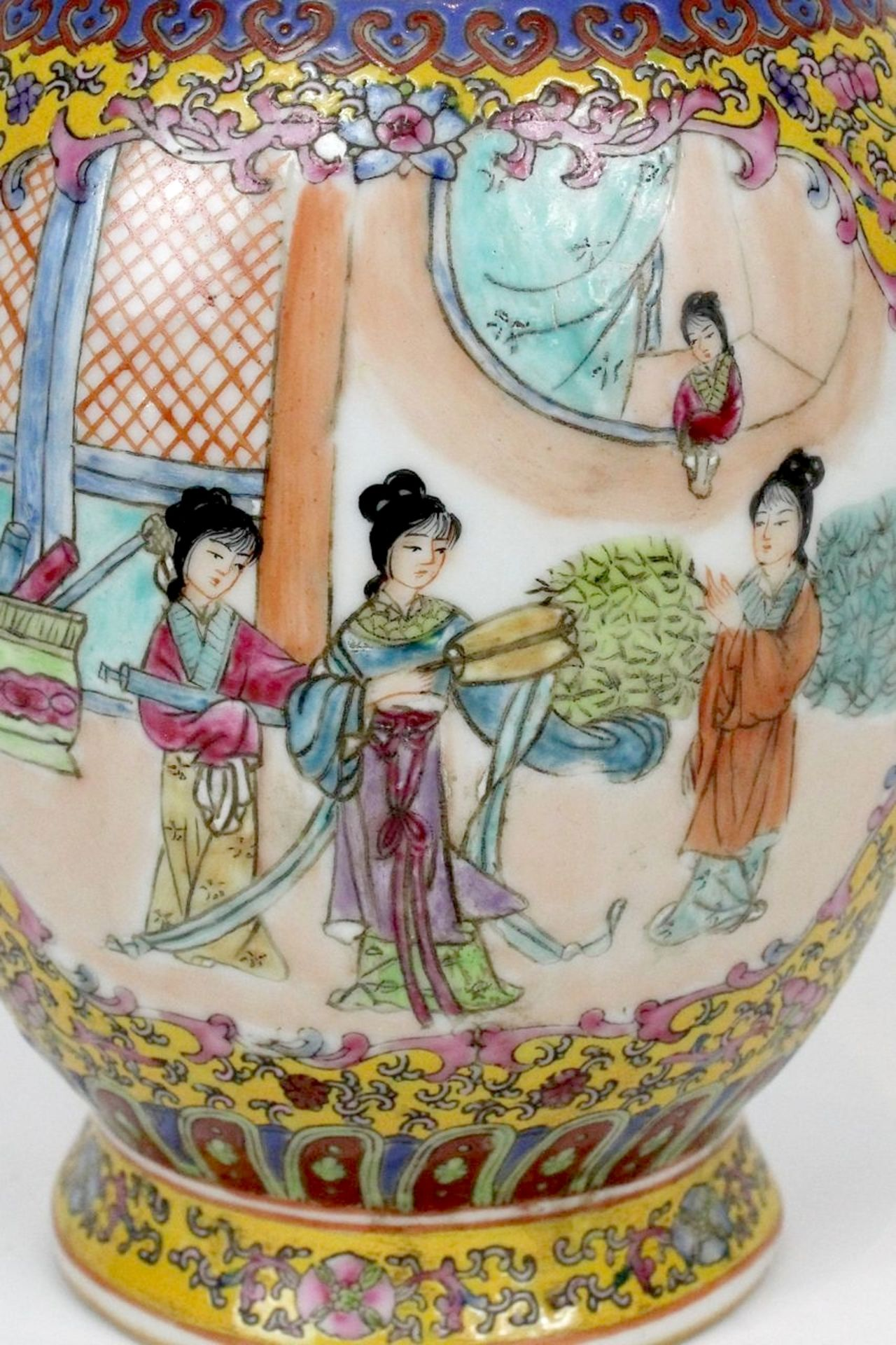 China Famille Jaune Millefleures Vase - Image 5 of 14
