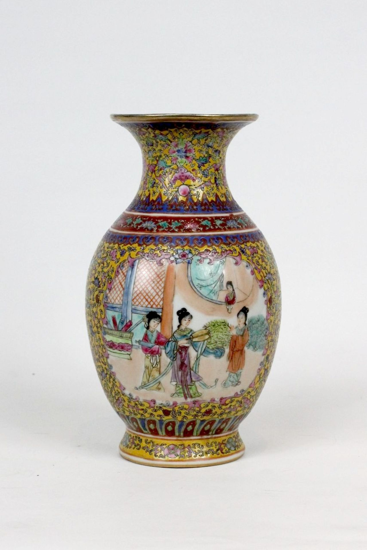 China Famille Jaune Millefleures Vase - Image 4 of 14