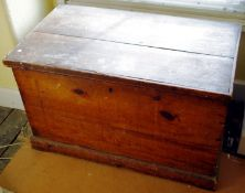 An early 20th century pitch pine travelling trunk, drop handles, 56cm high, 88cm wide, 51cm deep